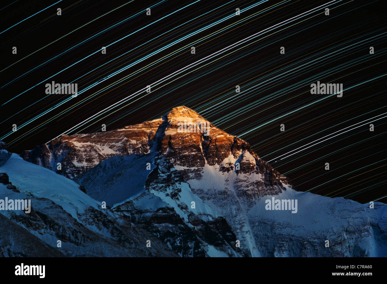 Star trail over Mt. Everest, Tibet, China - Stock Image