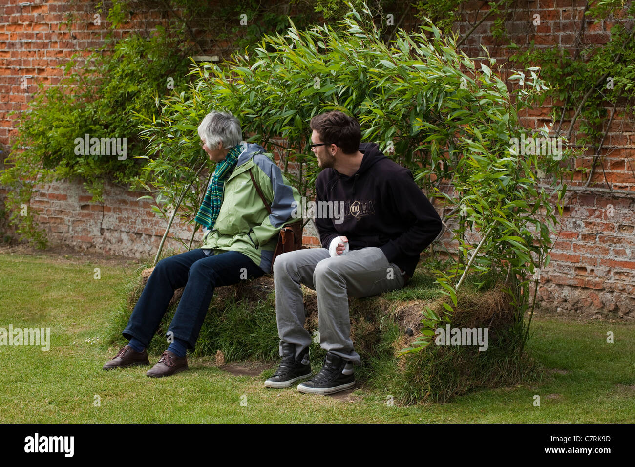 Garden Seat made from grass sods and Willow (Salix sp.) wands. Norfolk. - Stock Image