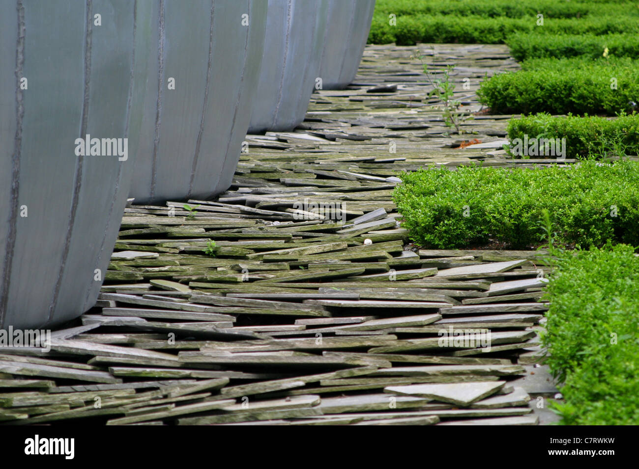 Garden Design: Slate Stone Path   Stock Image