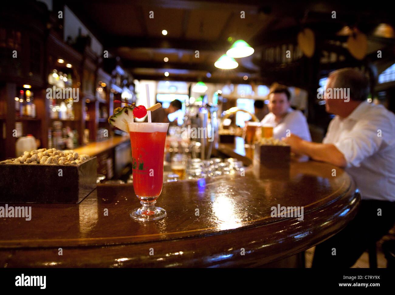 A Singapore Sling Cocktail On The Long Bar Raffles Hotel Singapore Stock Photo Alamy