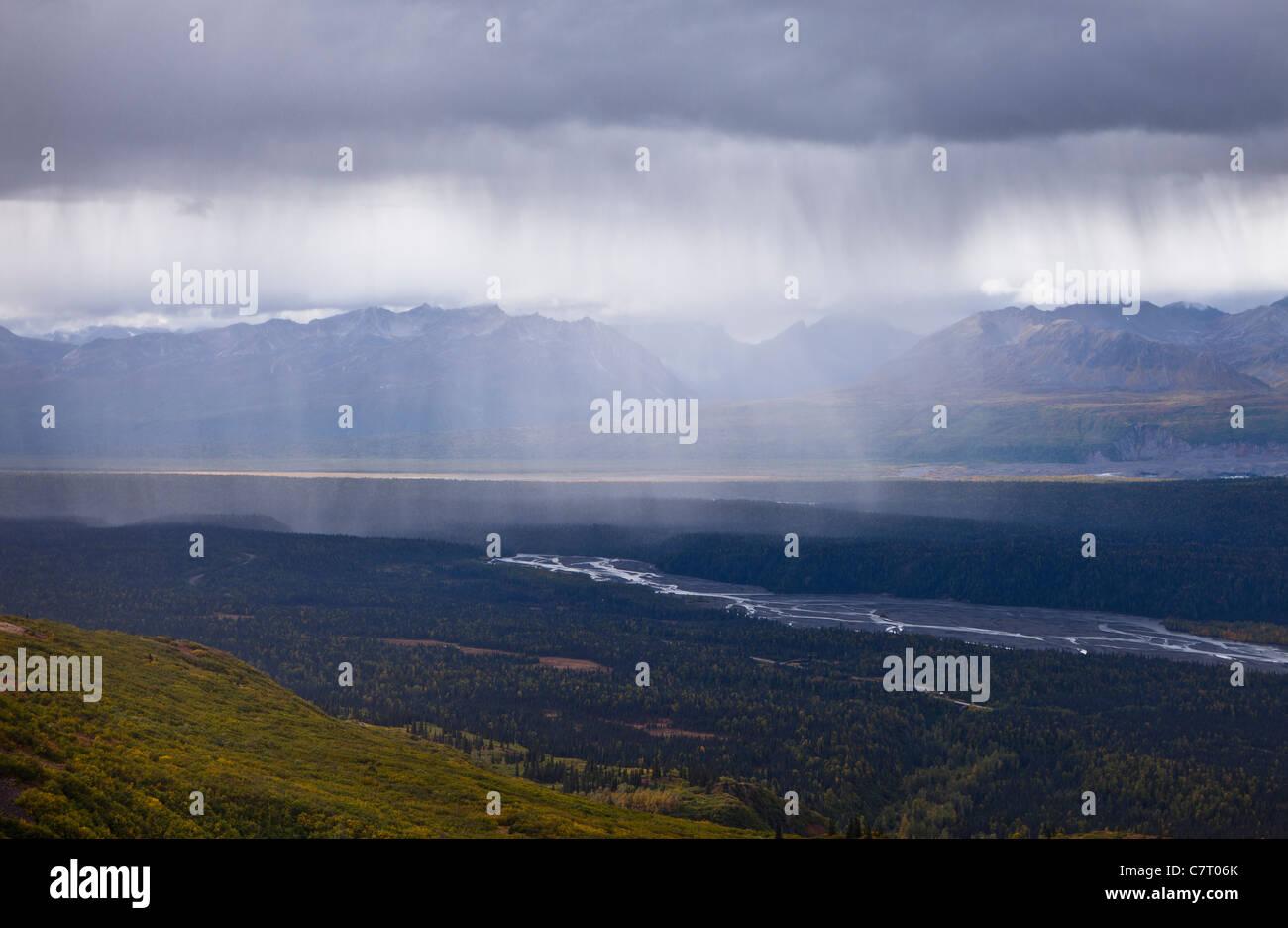 DENALI STATE PARK, ALASKA, USA - Rain storm in Chulitna River valley, seen from Kesugi Ridge. - Stock Image