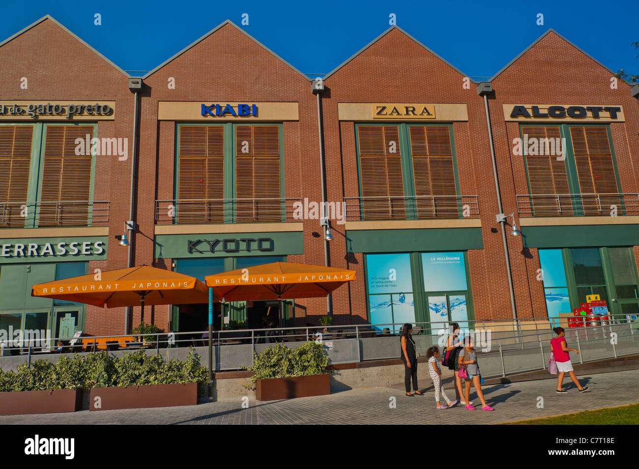 Aubervilliers France Outside French Restaurants Shopping Center Le Stock Photo Alamy