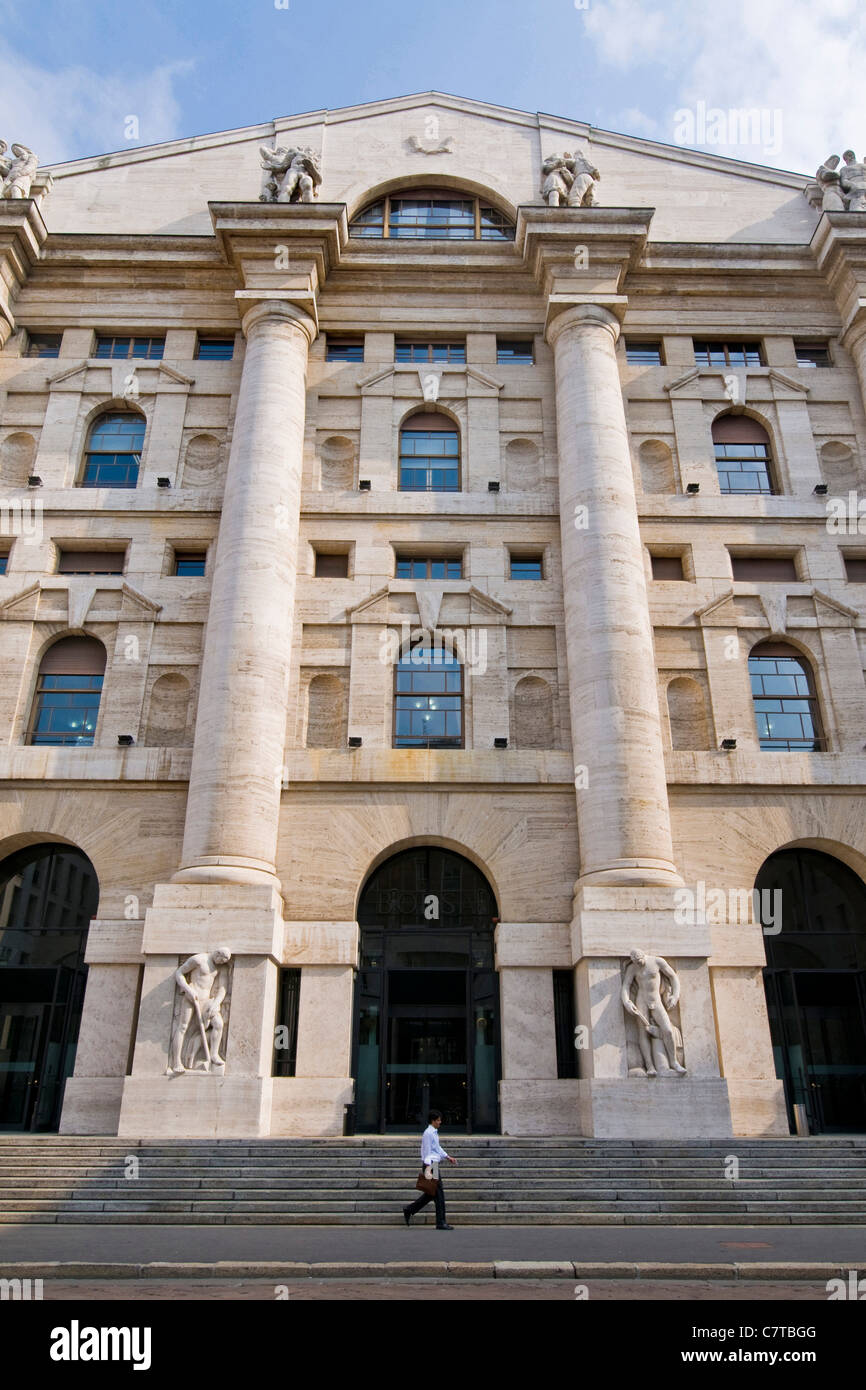 Italy, Lombardy, Milan, the Stock Exchange in Piazza Affari - Stock Image
