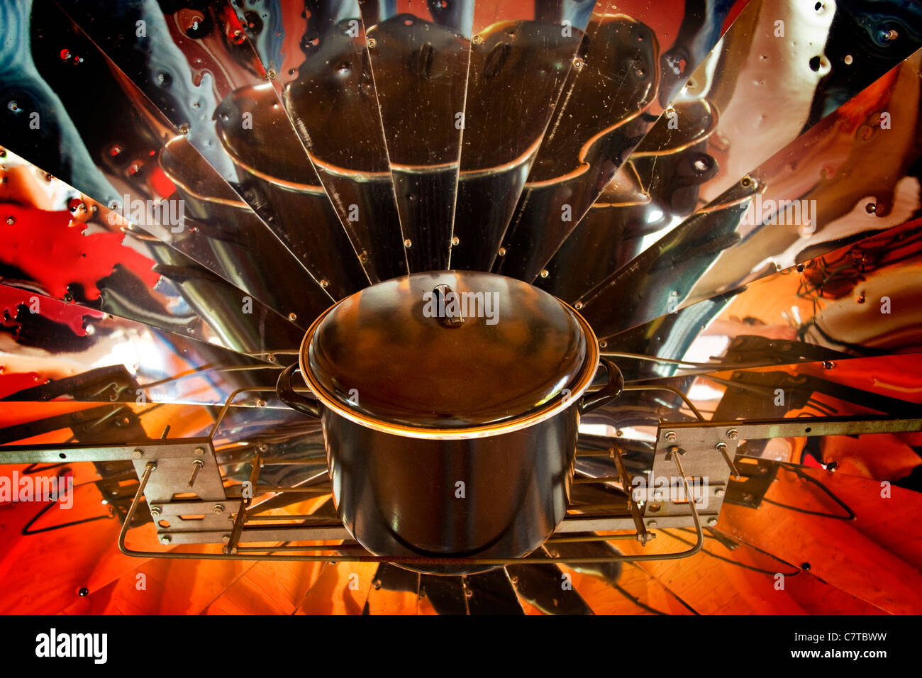Solar cooking stove - Stock Image
