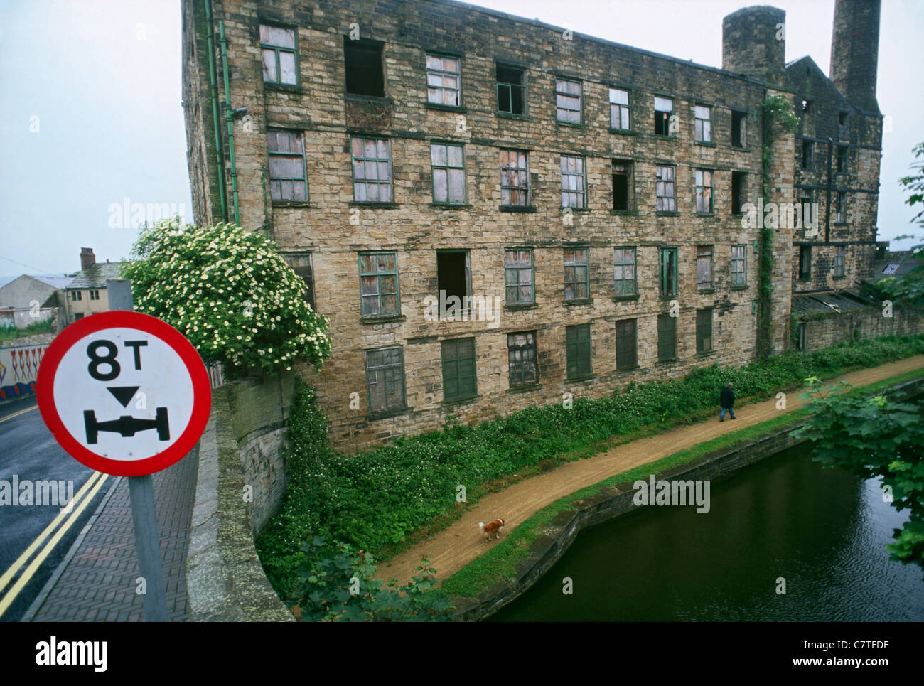 Weavers Triangle, Leeds and Liverpool Canal, Burnley, Lancashire. - Stock Image