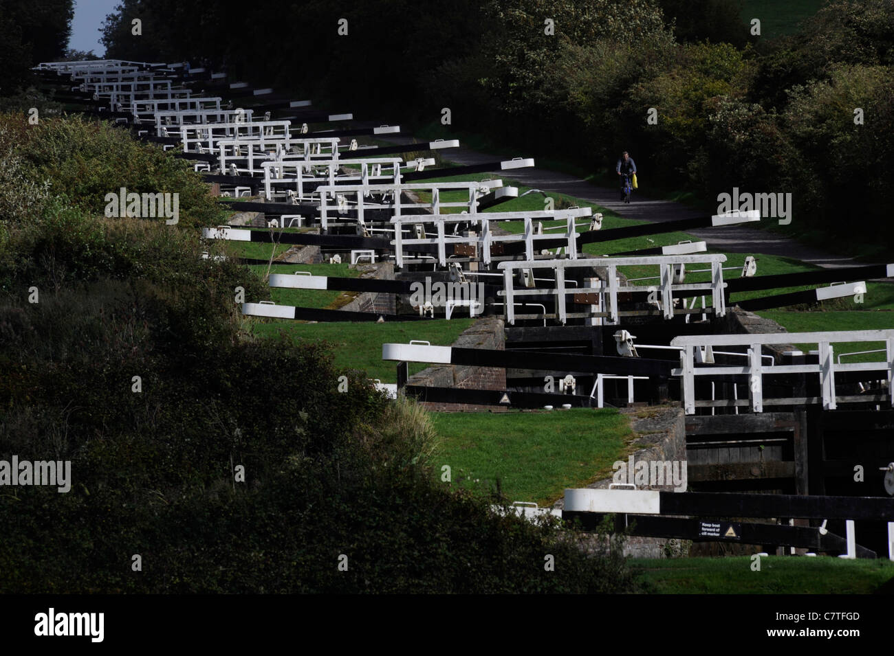 The Caen Hill locks on the Kennet and Avon Canal near Devizes, Wiltshire. - Stock Image