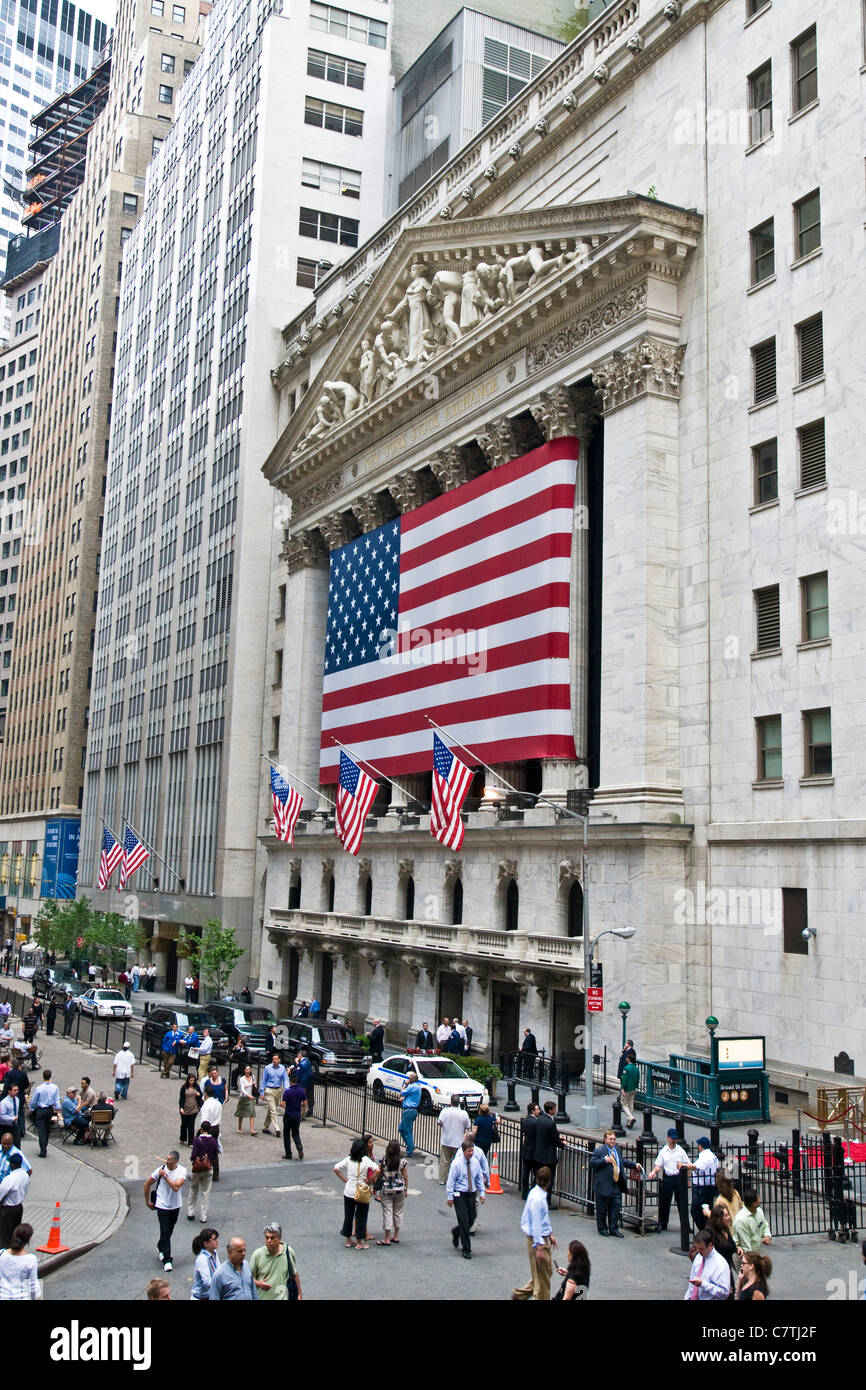 USA, New York City, New York Stock Exchange & Federal Hall, Broad Street & Wall Street - Stock Image
