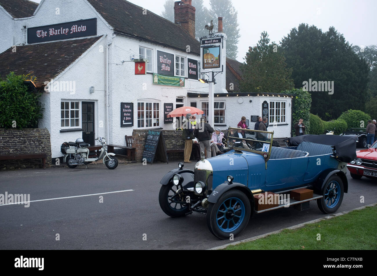 Bull None Morris Car at The barley Mow Tilford Surrey -1 - Stock Image