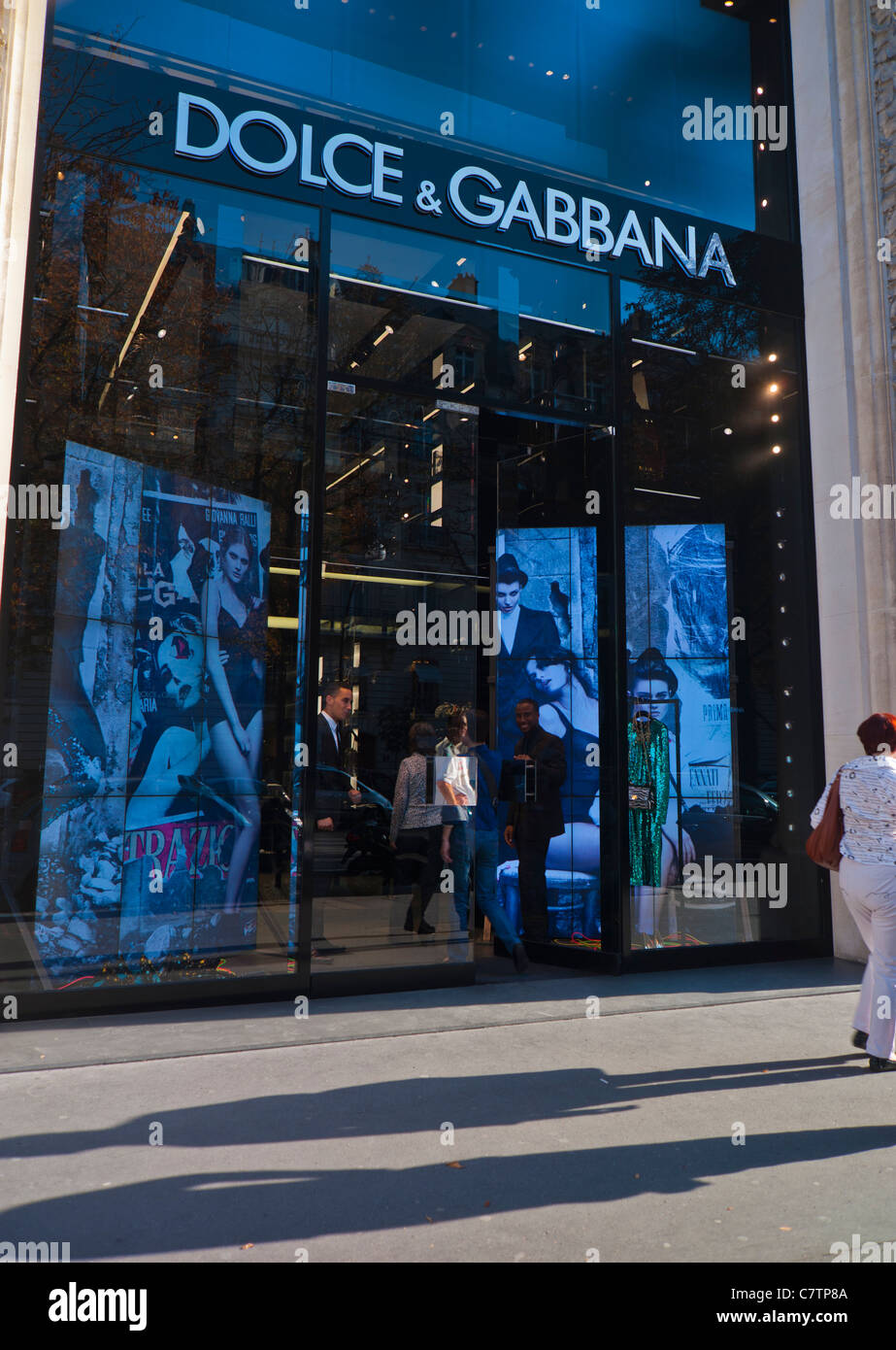 Paris, France, front of Clothing Store, 'Dolce & Gabbana', Shopping on High Street, 'Avenue Montaigne' - Stock Image