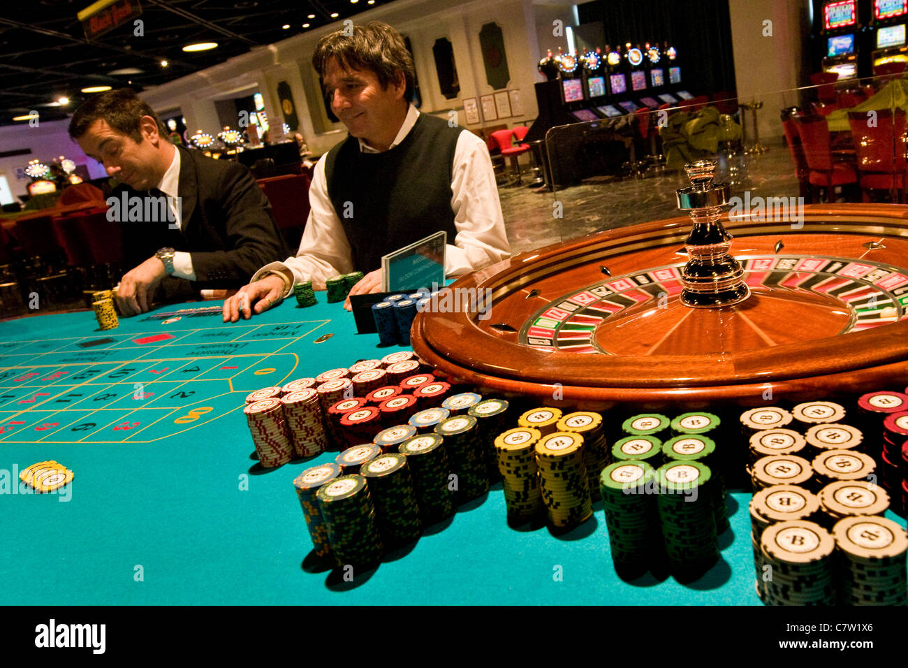 Casinos with poker in italy free online casino bonus without deposit