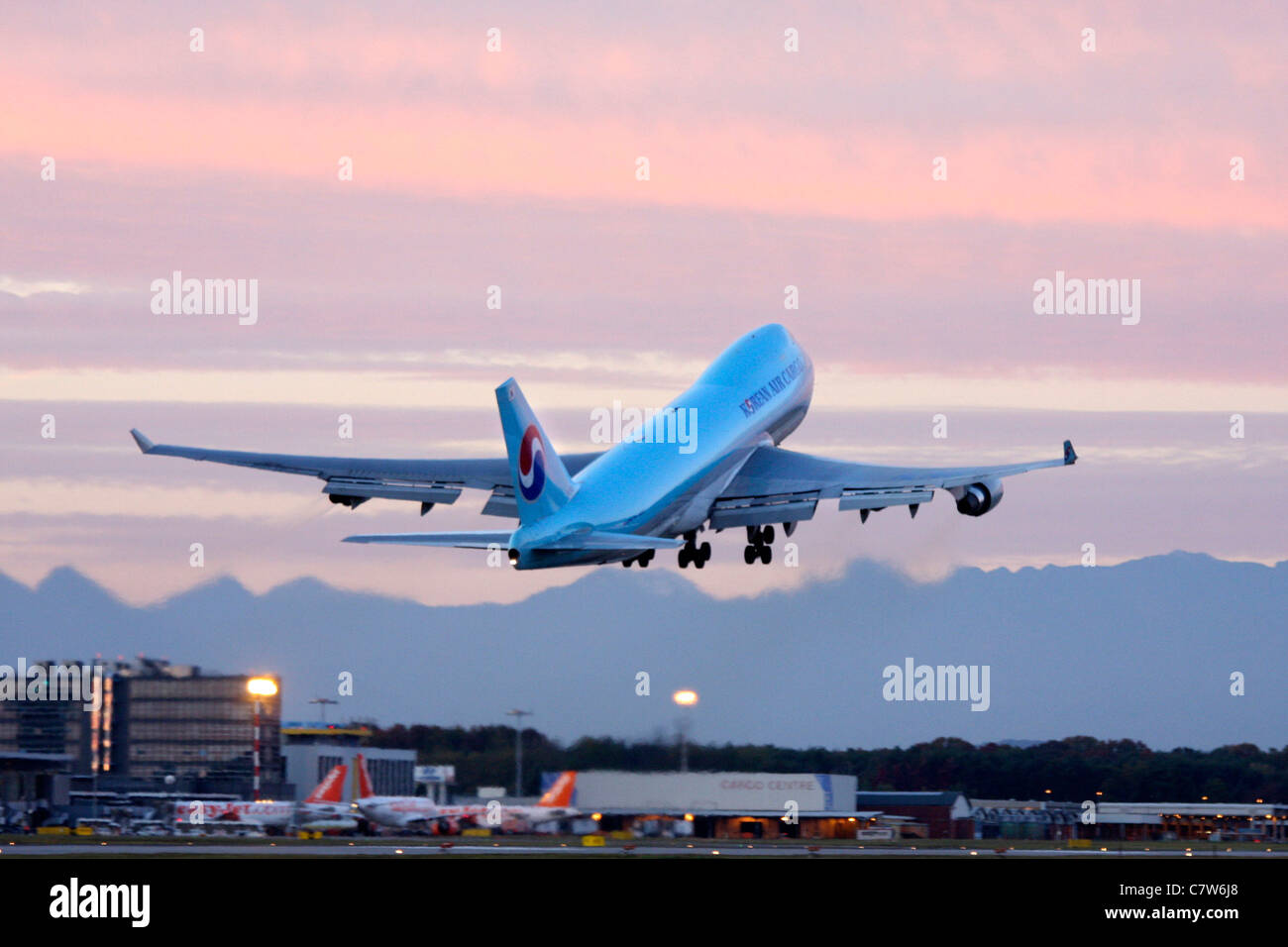 Italy, Lombardy, Malpensa Airport, Boing 747 at takeoff - Stock Image