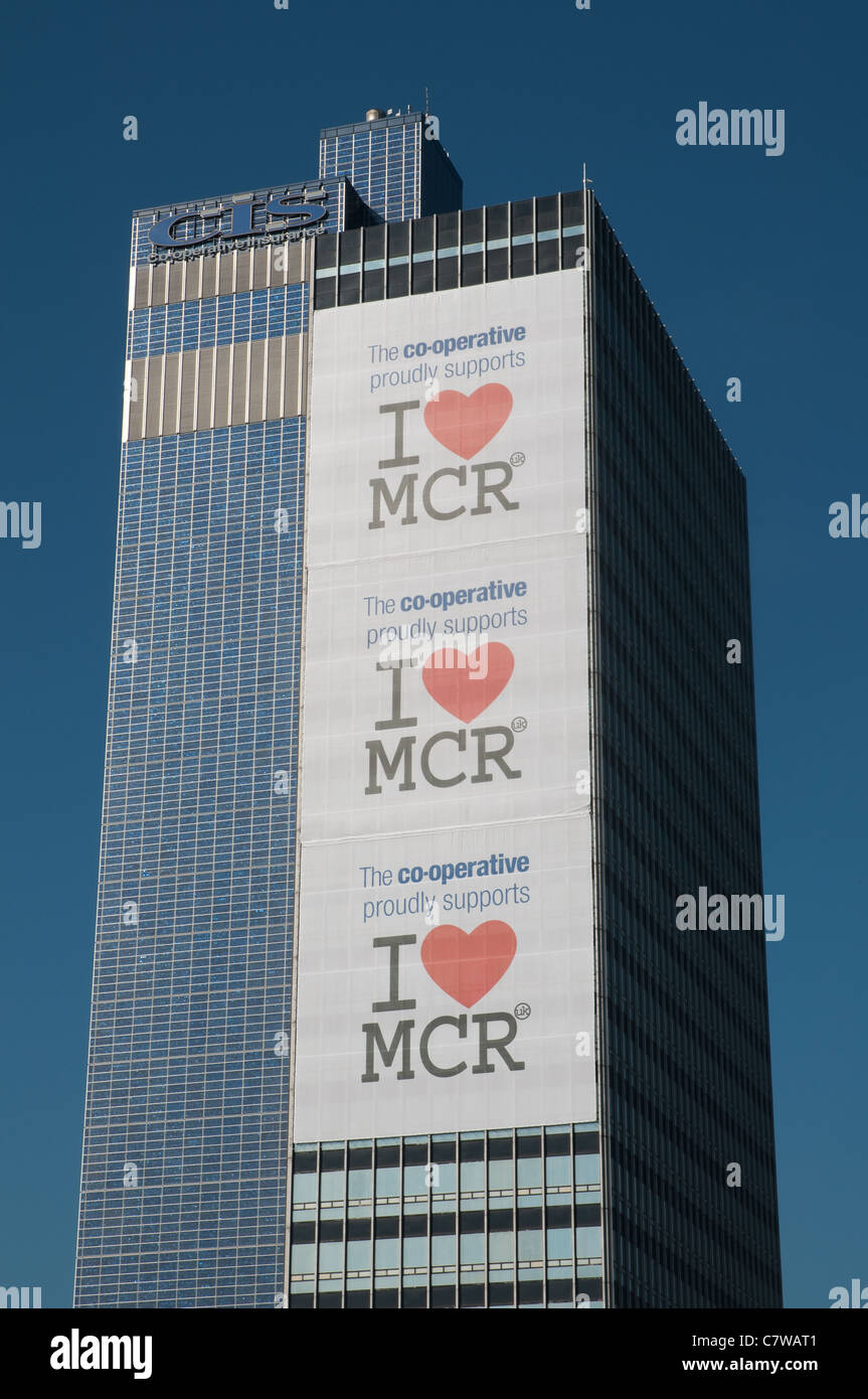 'I Love Manchester' banners on the CIS building Manchester. The campaign was launched following the riots - Stock Image