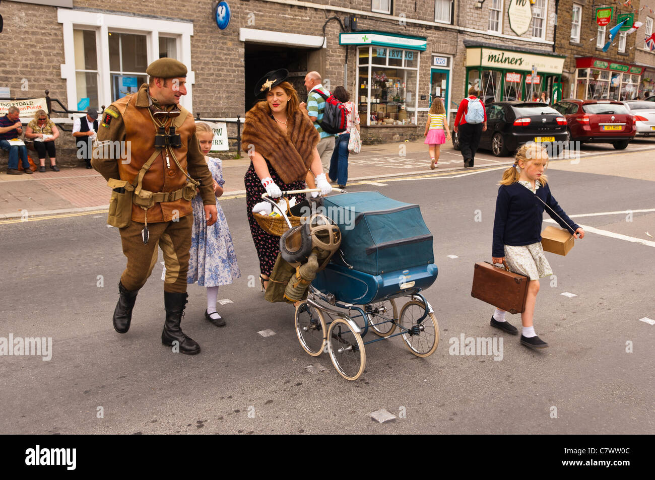 A Family Dressed Up At The 1940s Weekend Leyburn In North Yorkshire England Britain Uk