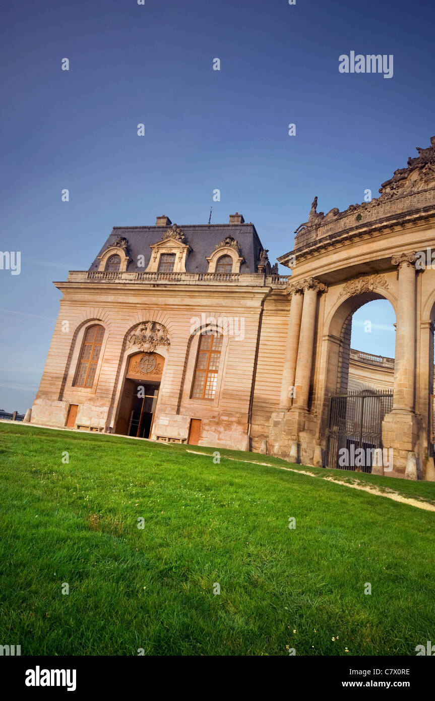 The exterior of the Living Horse Museum and Grand Stables at Chantilly in France - Stock Image