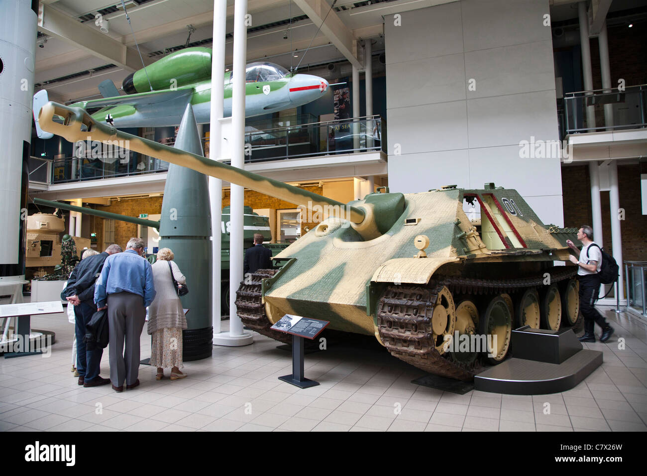 Imperial War Museum London main hall and a German Jagdpanther tank destroyer. - Stock Image