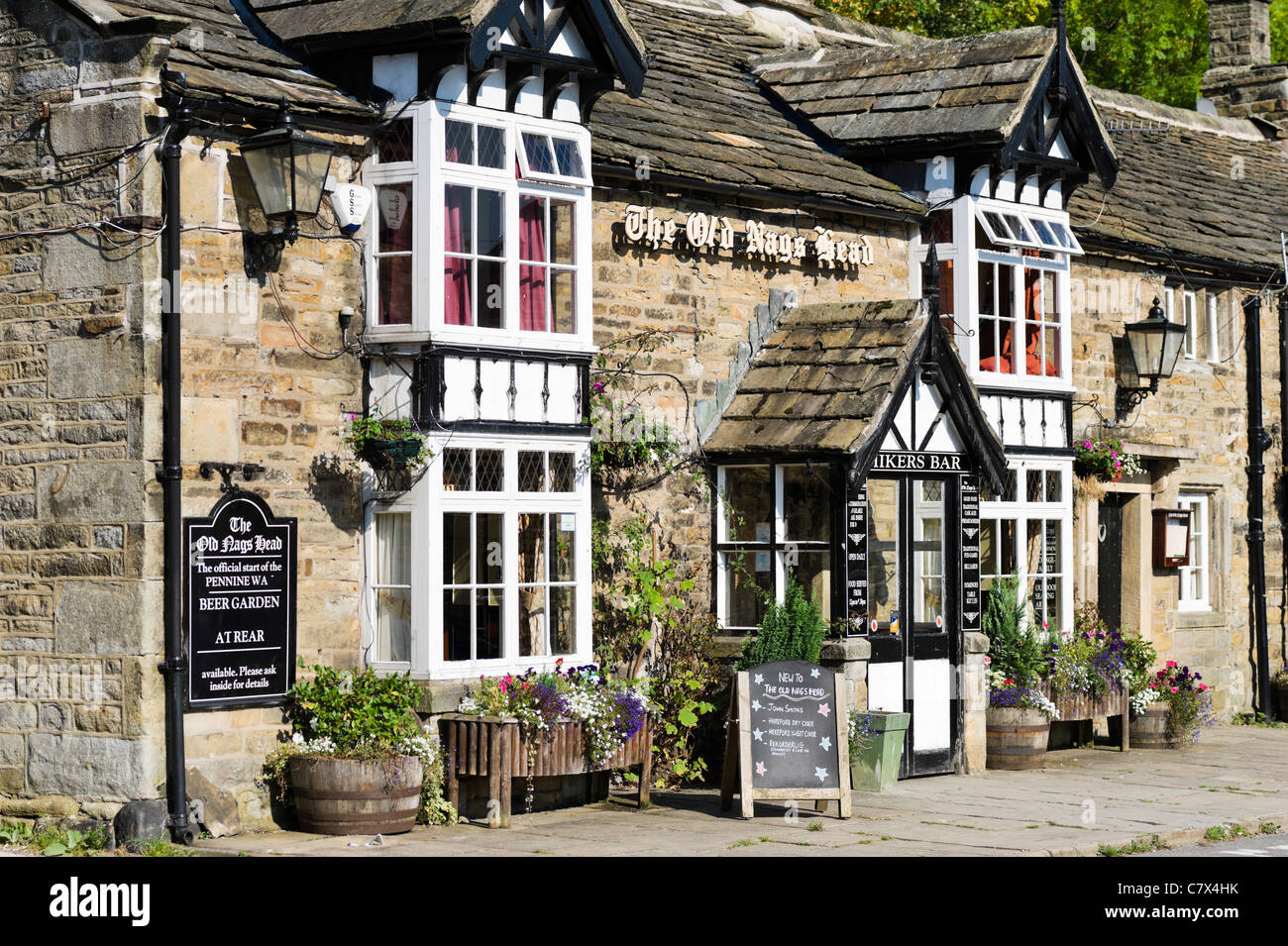 The Old Nags Head Pub In Edale At The Start Of The Pennine Way
