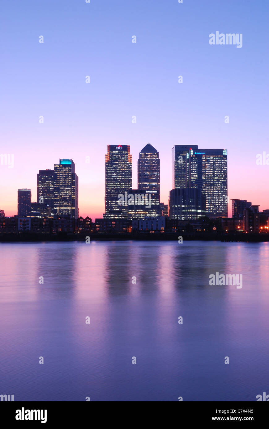 Canary wharf at twilight - Stock Image