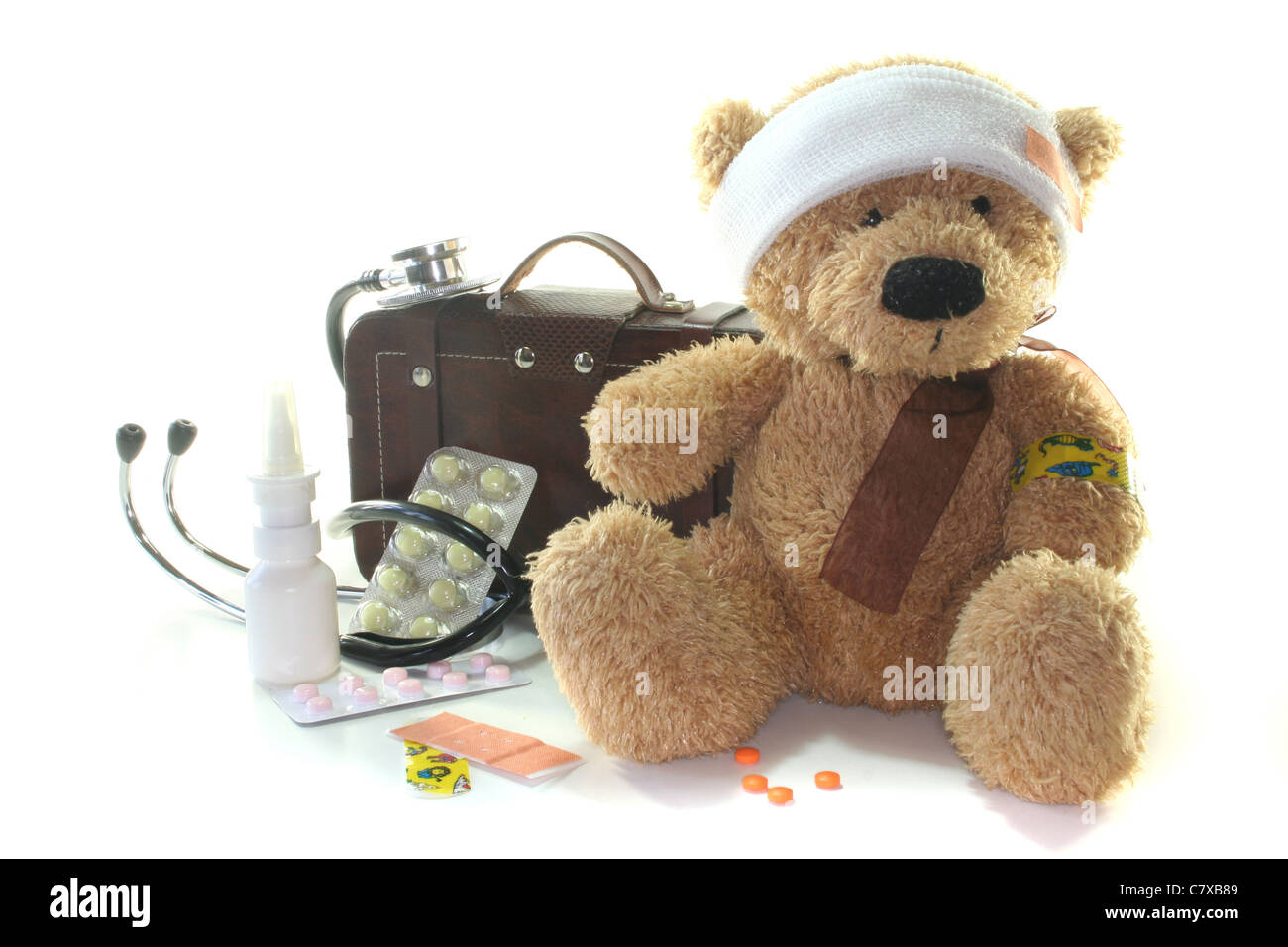 Kids first aid kit with Teddy, Bags, Stethoscope and medicines - Stock Image