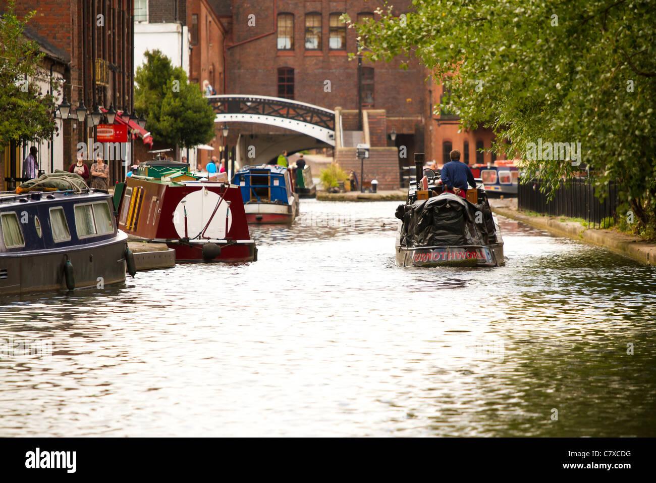 Barge on the canals of Birmingham, West Midlands, England, UK - Stock Image