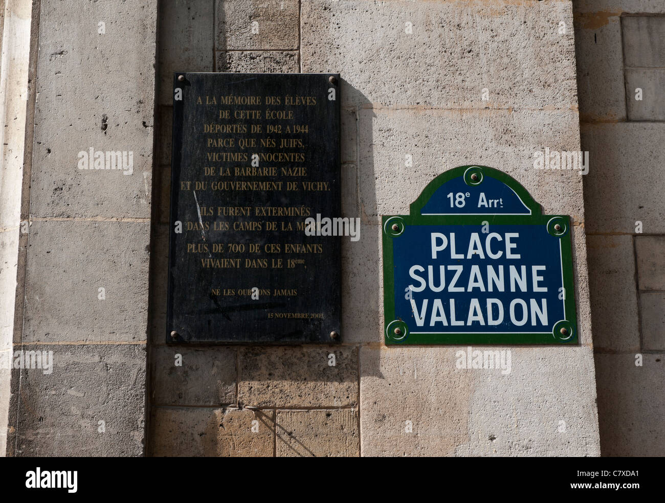 Paris France. Plaque to commemorate victims of the Nazis during WW2 in Montmartre. - Stock Image