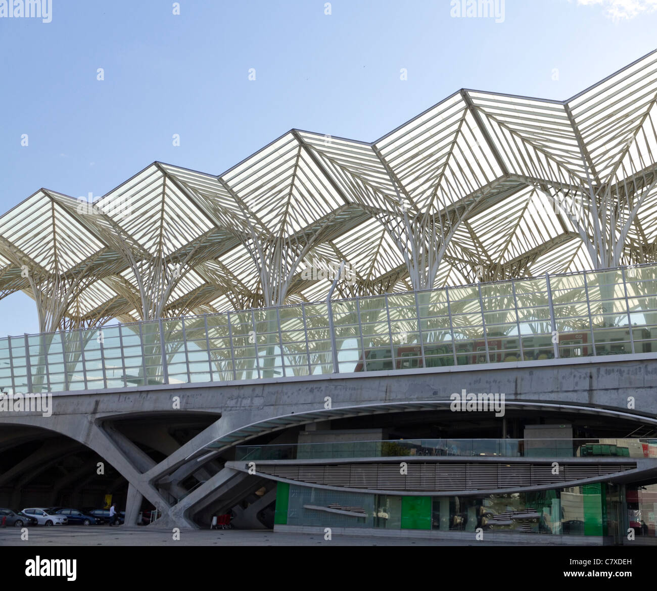 modern architecture of railway station Gare do Oriente built for Expo '98 world's fair in Parque das Nacoes - Stock Image