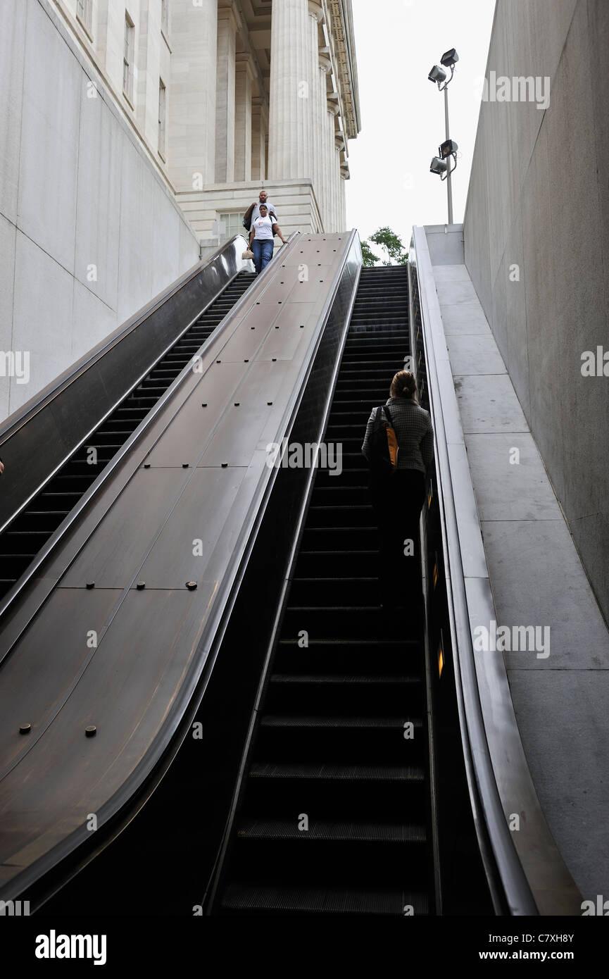 dc metro escalator stock photos  u0026 dc metro escalator stock images