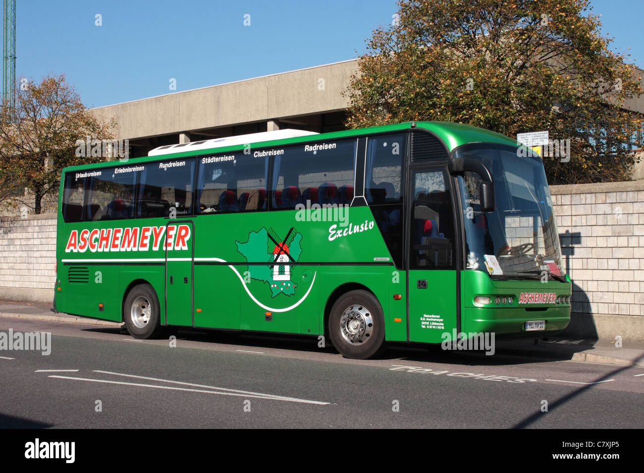 10m Neoplan Jetliner Coach belonging to Aschemeyer Coaches of Lubbecke Germany parked in Portsmouth Hampshire UK - Stock Image