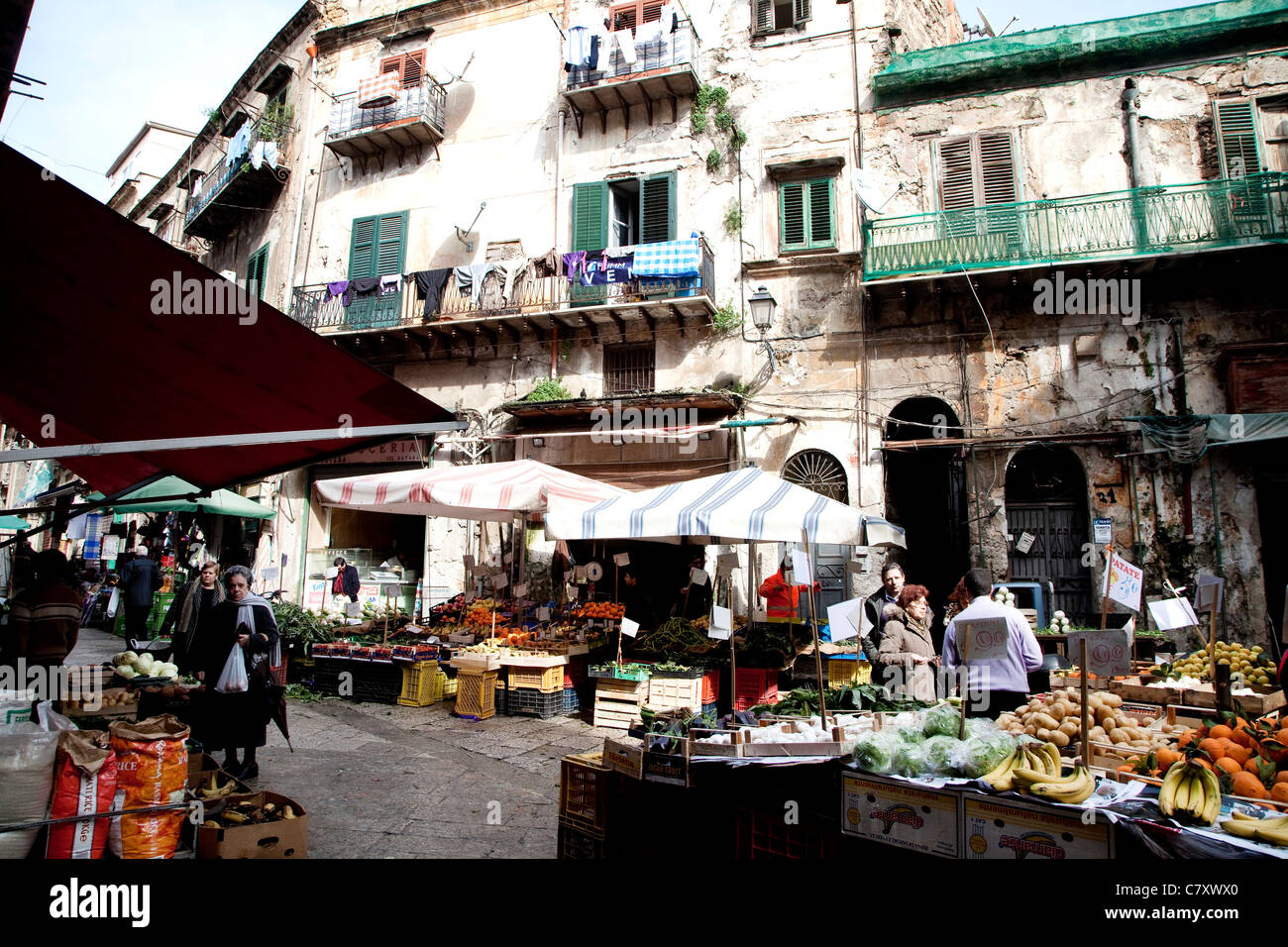 Traditional shops and stalls at Capo, old market in Palermo, Sicily, Sicilia, Italy - Stock Image