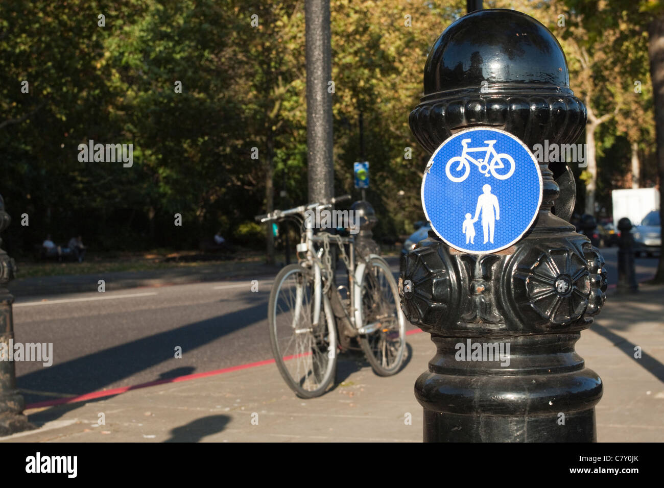 Cycle path signpost on the Chelsea Embankment, London, England, UK - Stock Image
