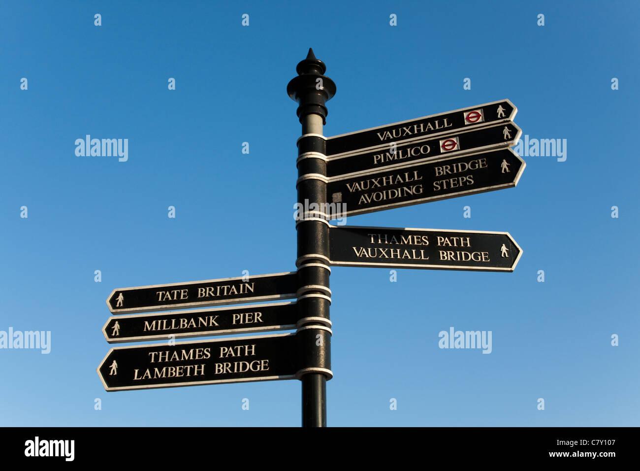 Signpost, Thames Path, London, England, UK - Stock Image