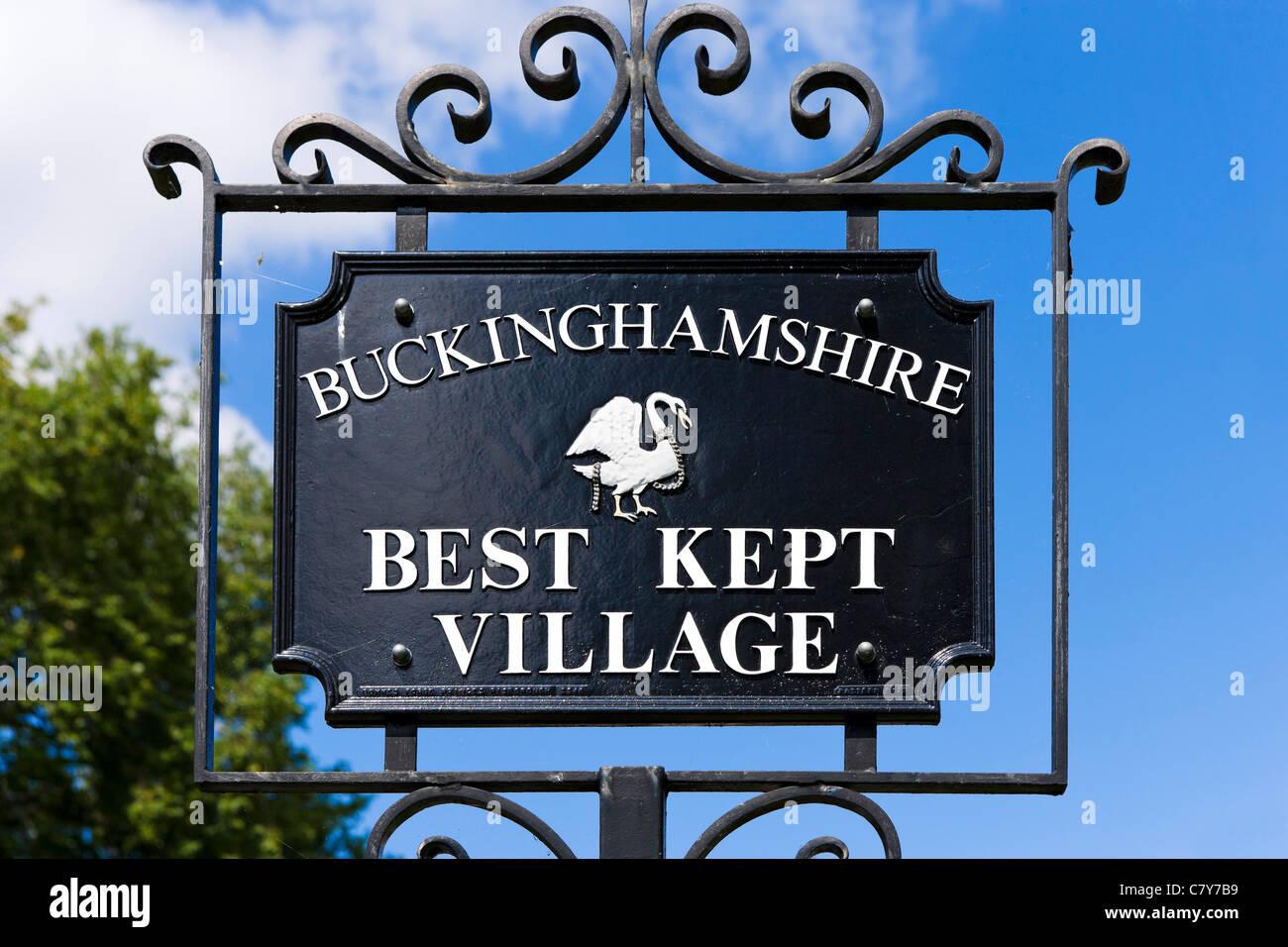 'Buckinghamshire Best Kept Village' sign, High Street, Marlow, Buckinghamshire, England, UK - Stock Image