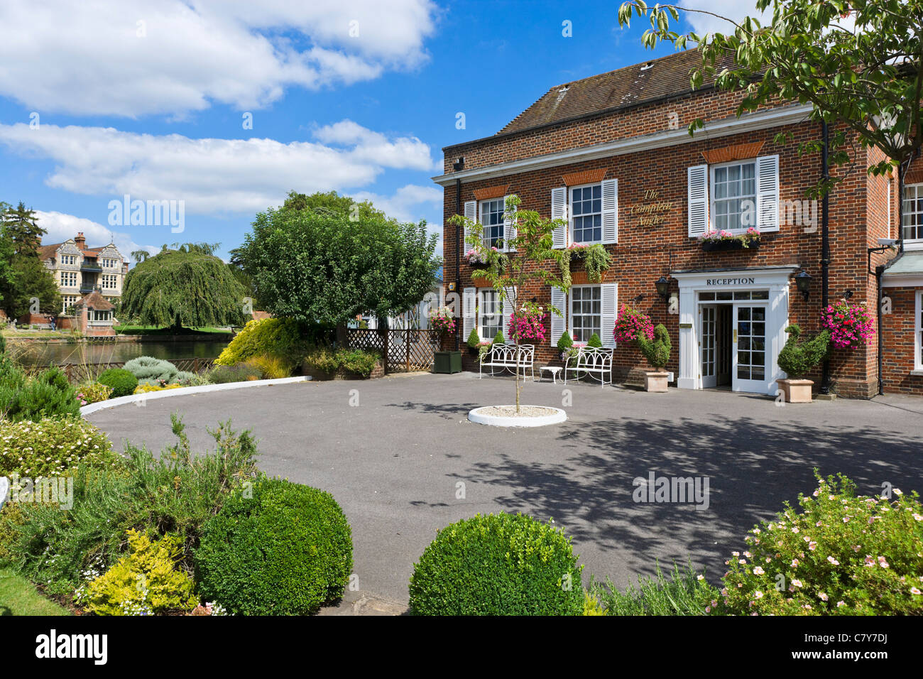 The Compleat Angler Hotel and Restaurant on the River Thames in Marlow, Buckinghamshire, England, UK Stock Photo