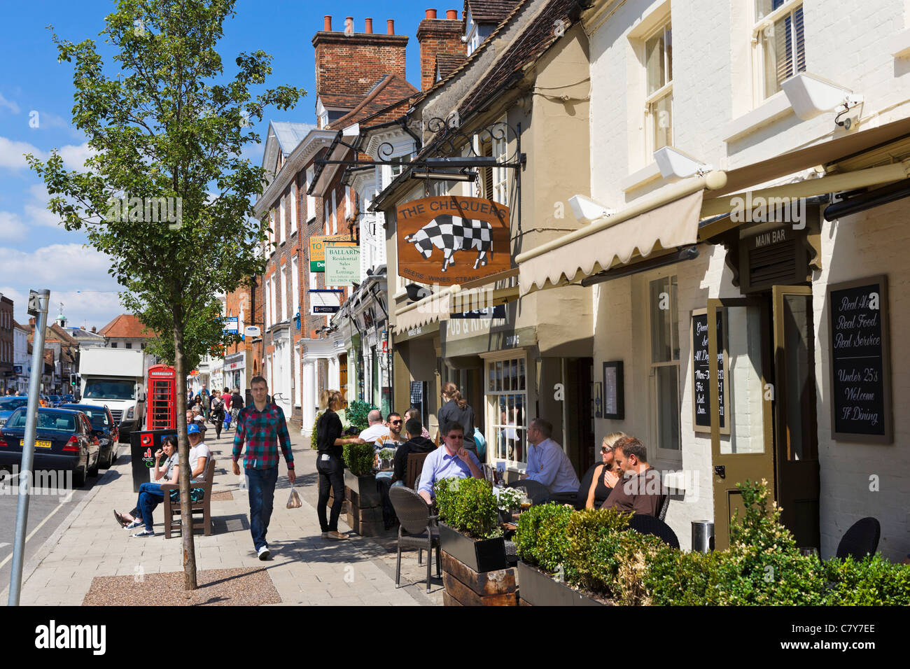 The Chequers pub on the High Street, Marlow, Buckinghamshire, England, UK Stock Photo
