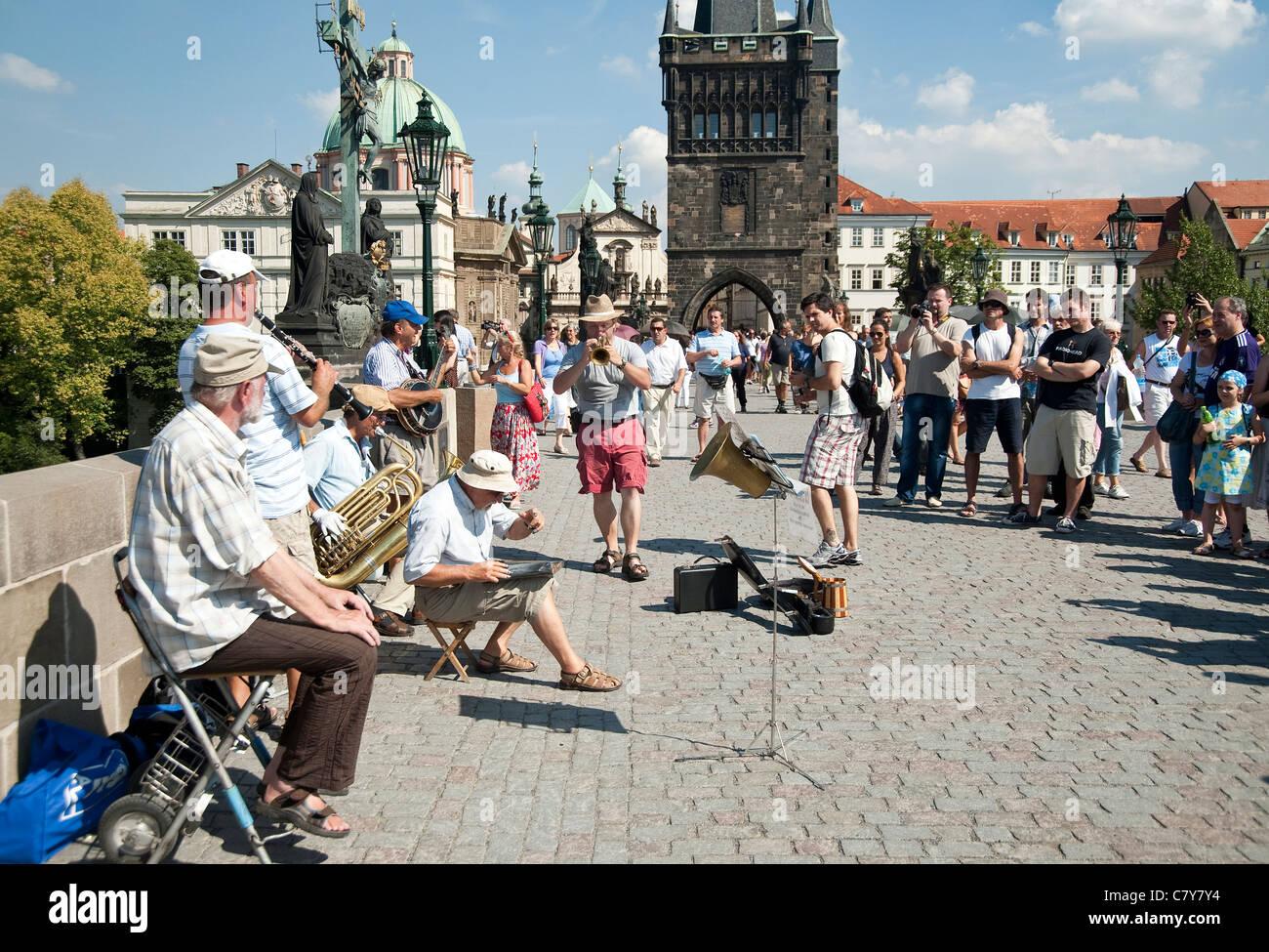 Prague, Czech Republic - Jazz band playing music on Bridge Charles - Stock Image