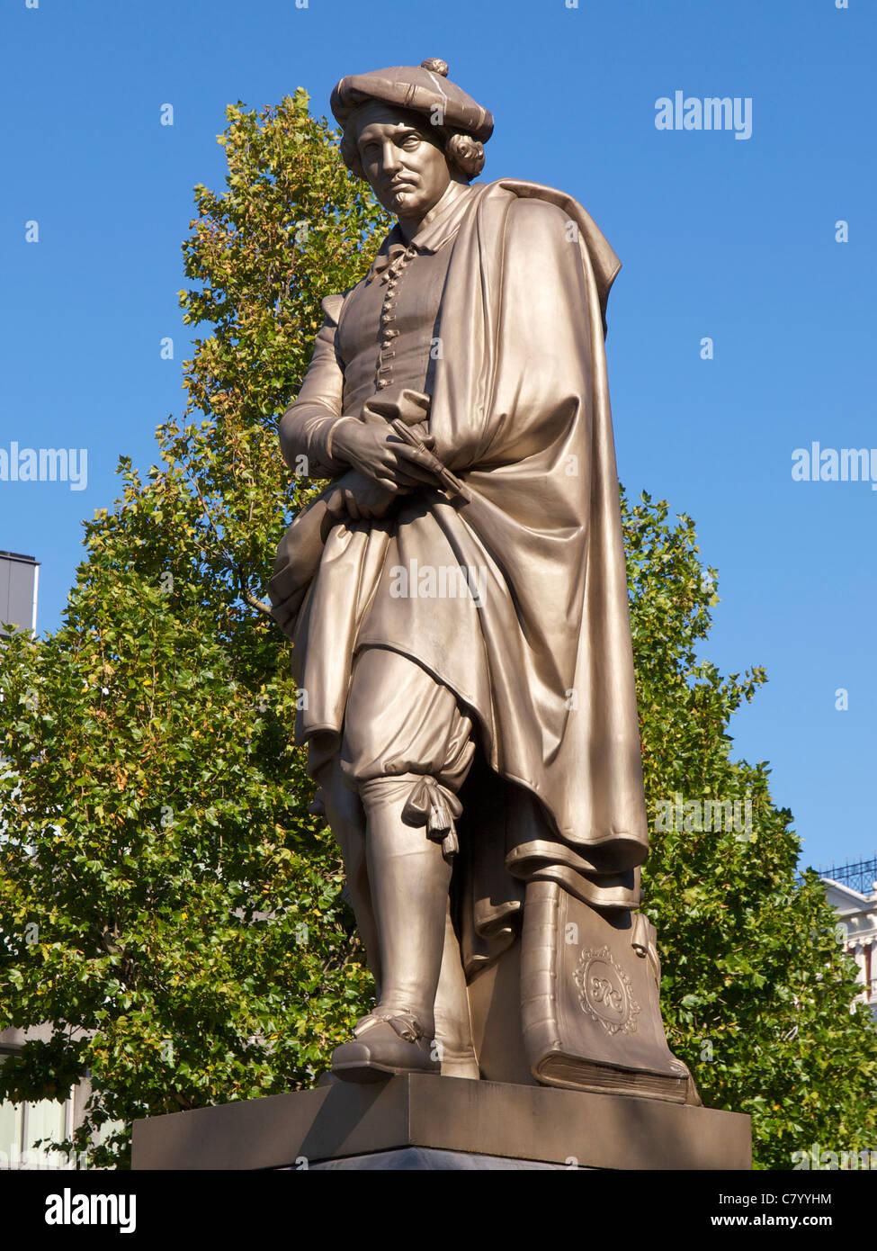 Statue of the famous painter Rembrandt van Rijn on the