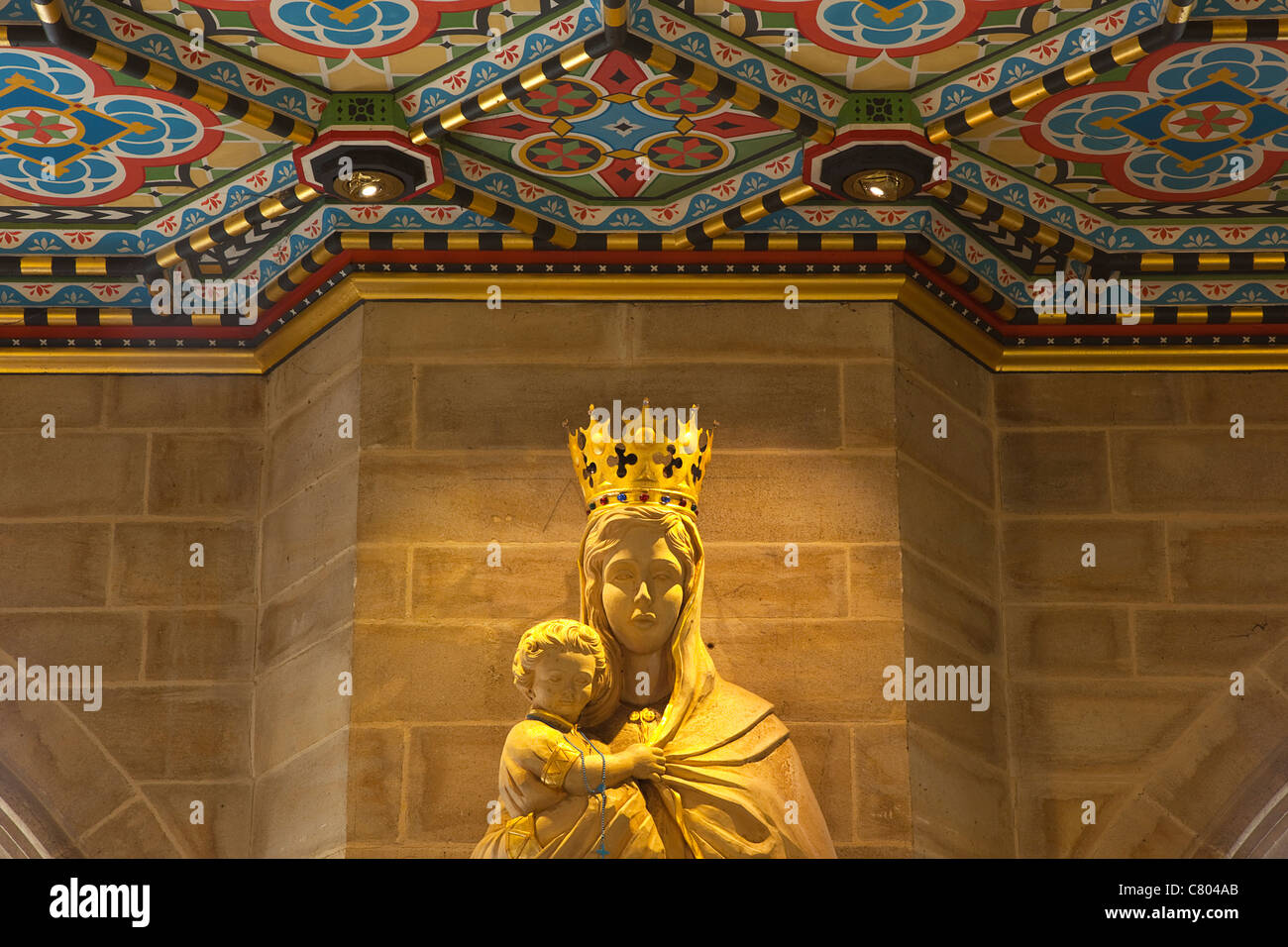 England, West Sussex, Shoreham-by-Sea, Lancing College Chapel interior, statue of the Virgin Mary holding the Baby - Stock Image