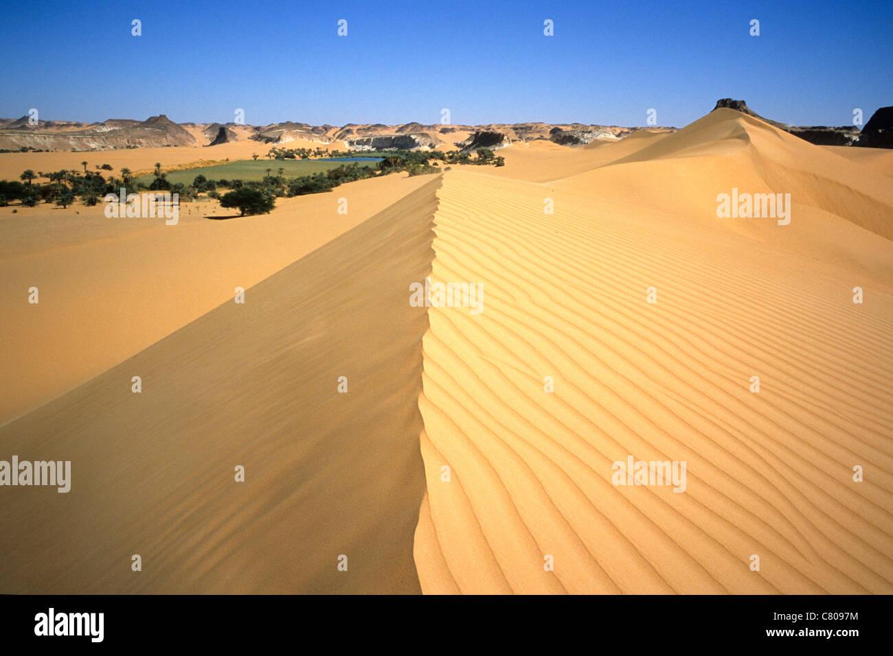 Africa, Chad, Ounianga Serir, Blue lake, the desert - Stock Image