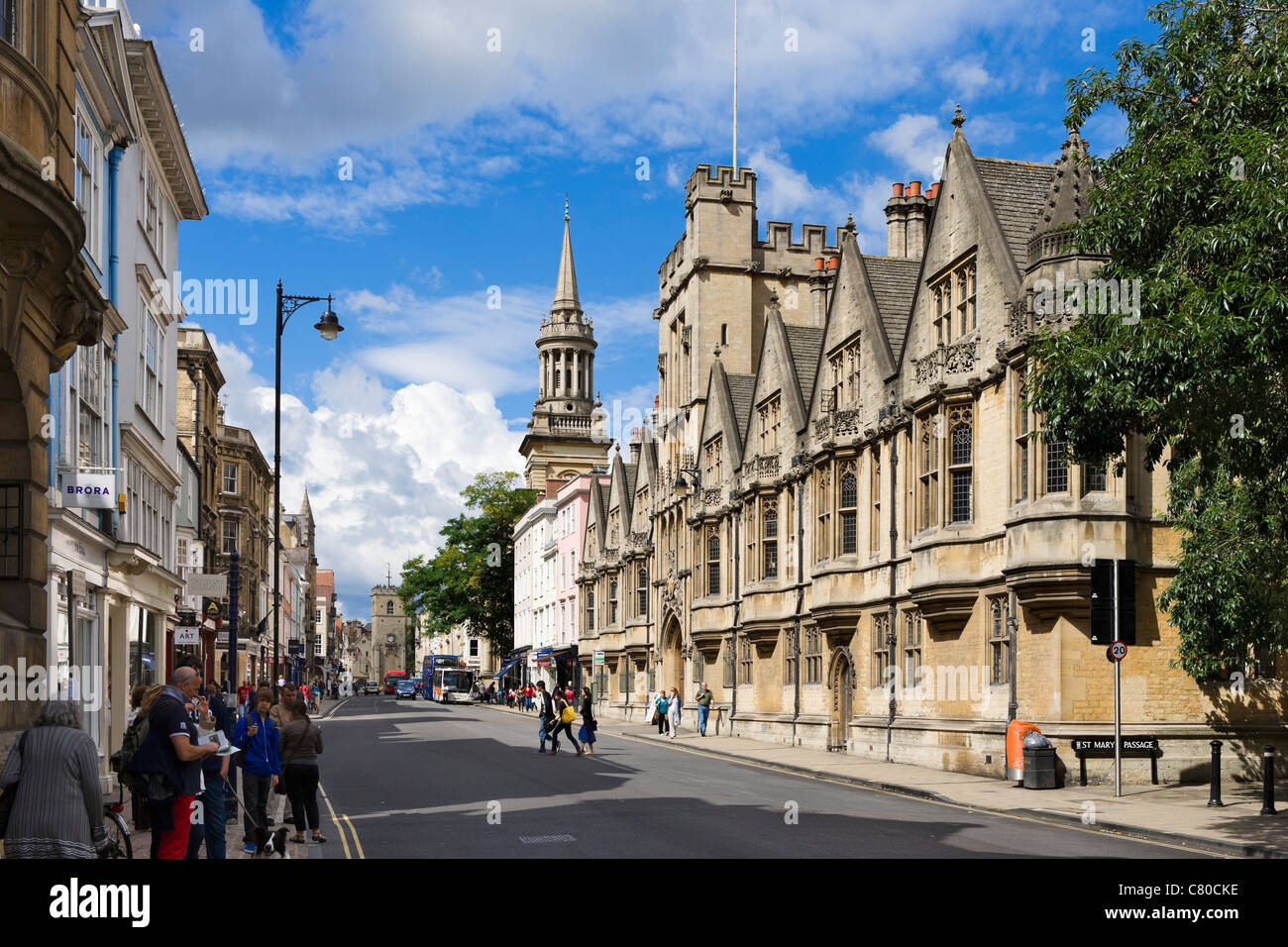 High Street with Brasenose College and University Church of St Mary the Virgin to the right, Oxford, Oxfordshire, - Stock Image