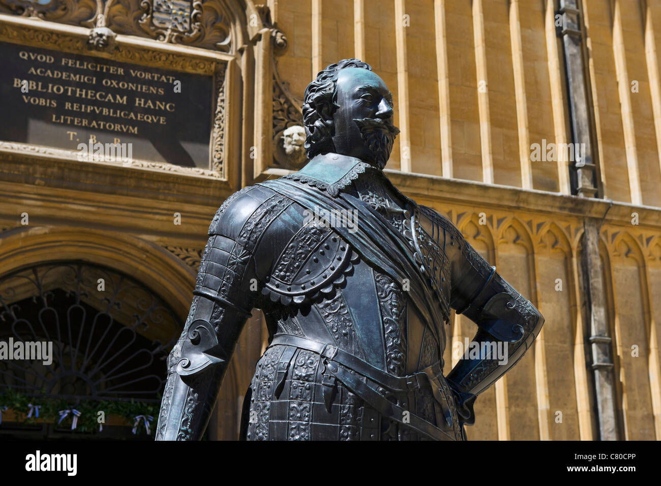 Statue of the Earl of Pembroke in the Old Schools Quadrangle, The Bodleian Library, Oxford, Oxfordshire, England, - Stock Image