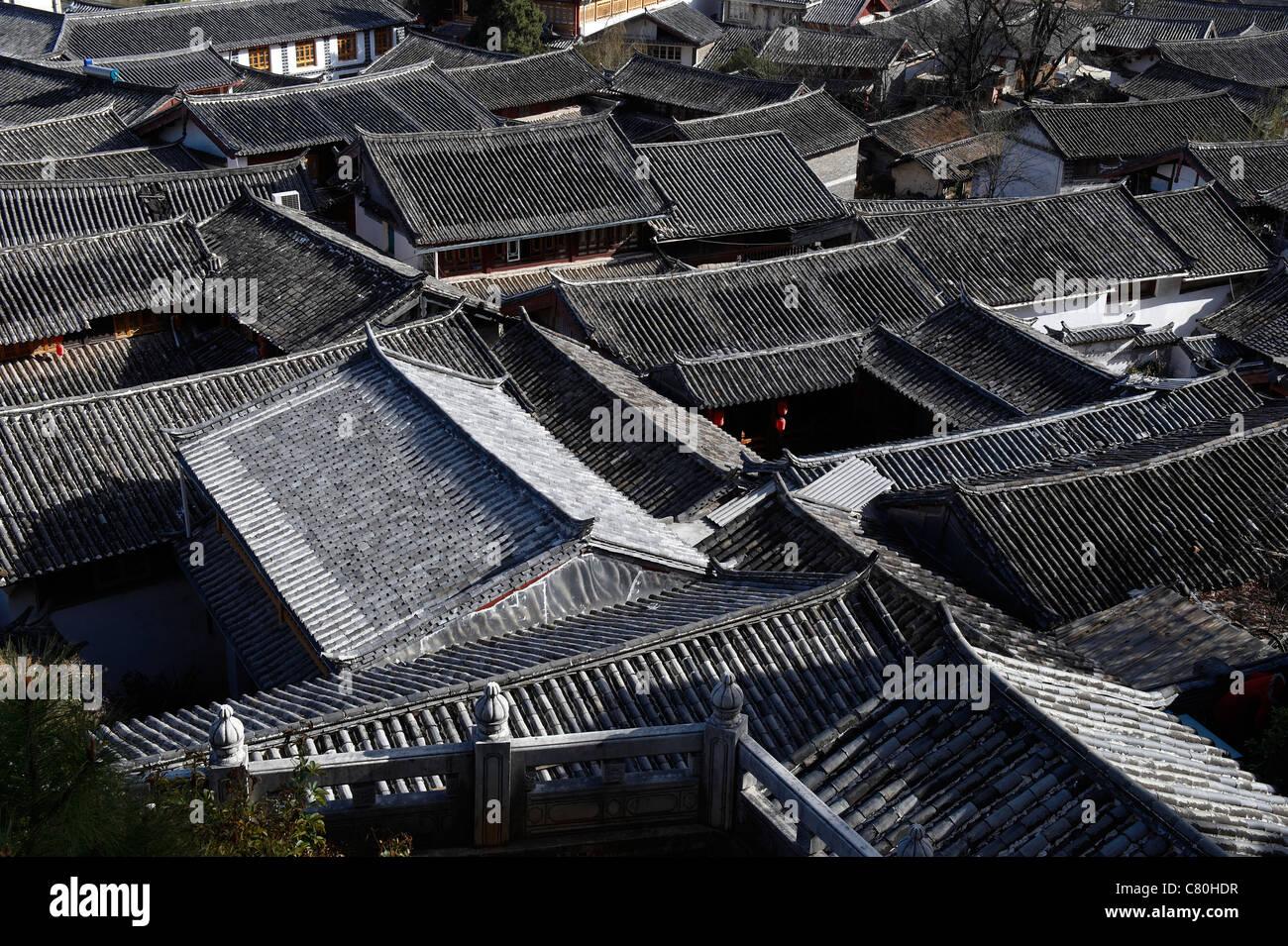 China, Yunnan, Lijiang roof tops - Stock Image