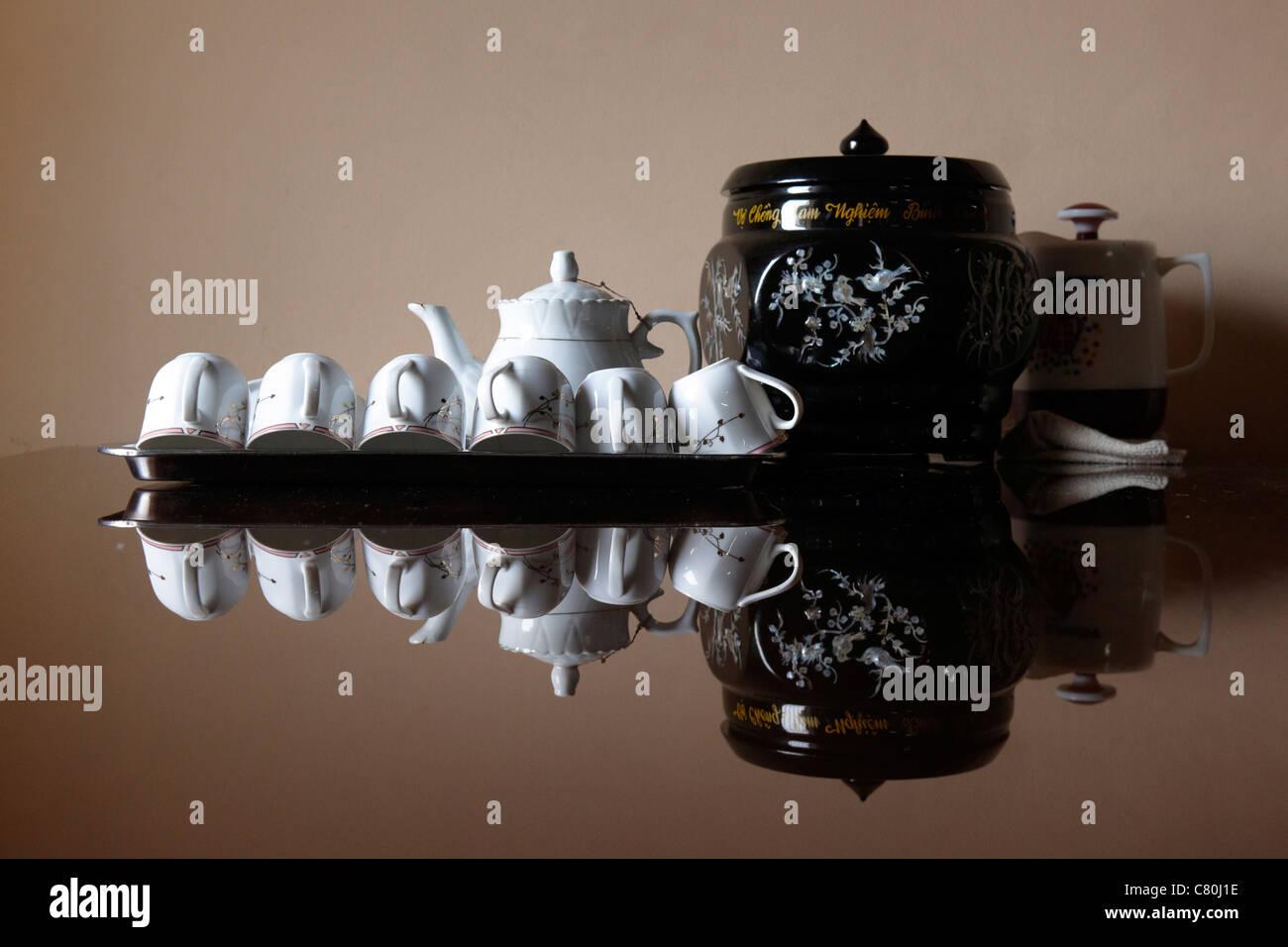 Vietnam, ceramic tea pot and cups - Stock Image