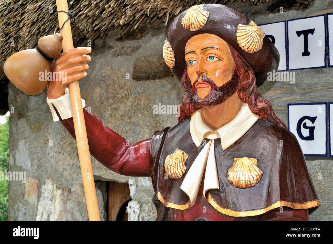 Spain, St. James Way: Wooden statue of St. James the Pilgrim in  souvenir shop  in O Cebreiro Stock Photo
