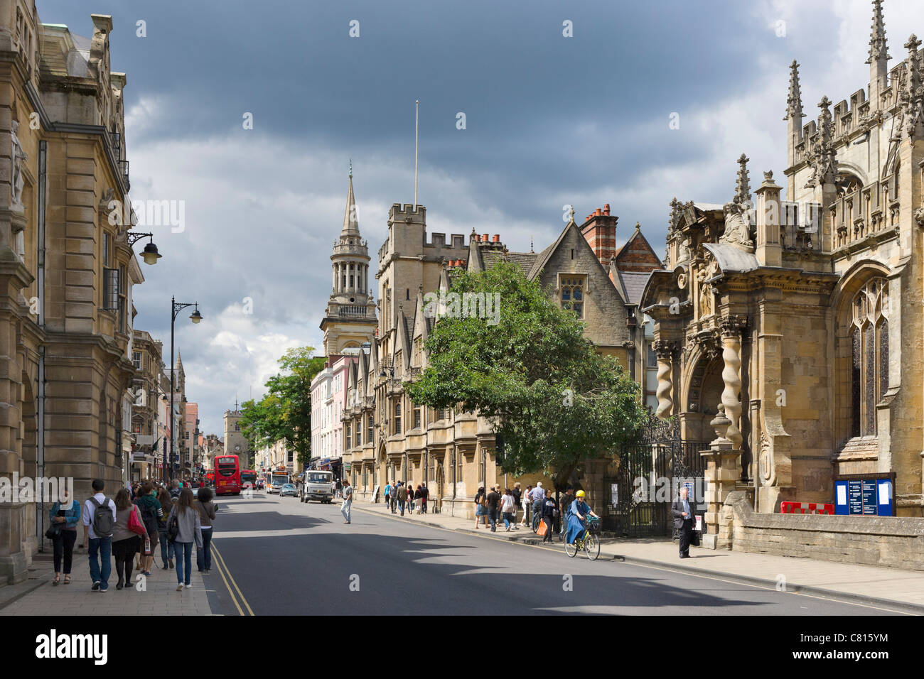 High Street with University Church of St Mary the Virgin & Brasenose College on the right, Oxford, Oxfordshire, - Stock Image