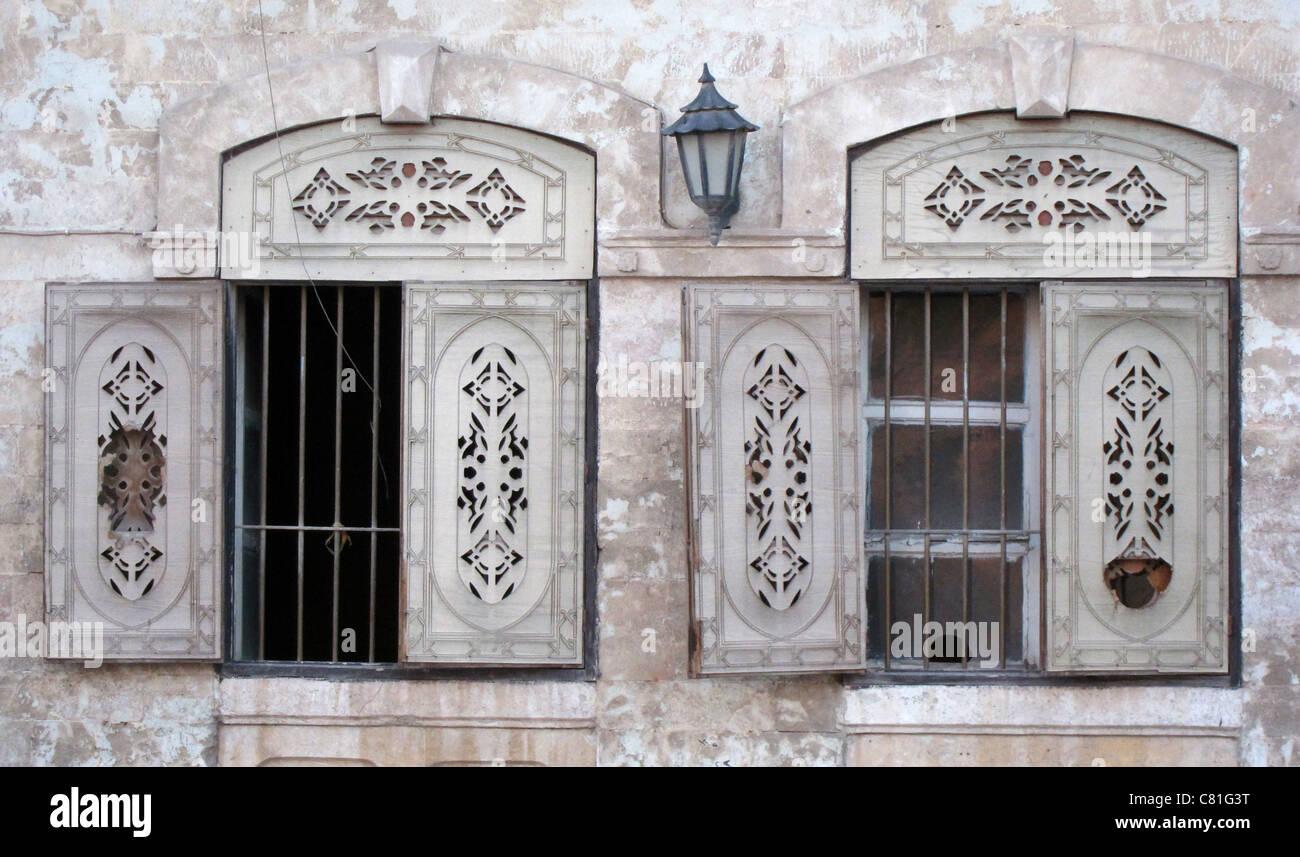 Aleppo, Syria, Syrien oldtown Altstadt windows Fenster - Stock Image