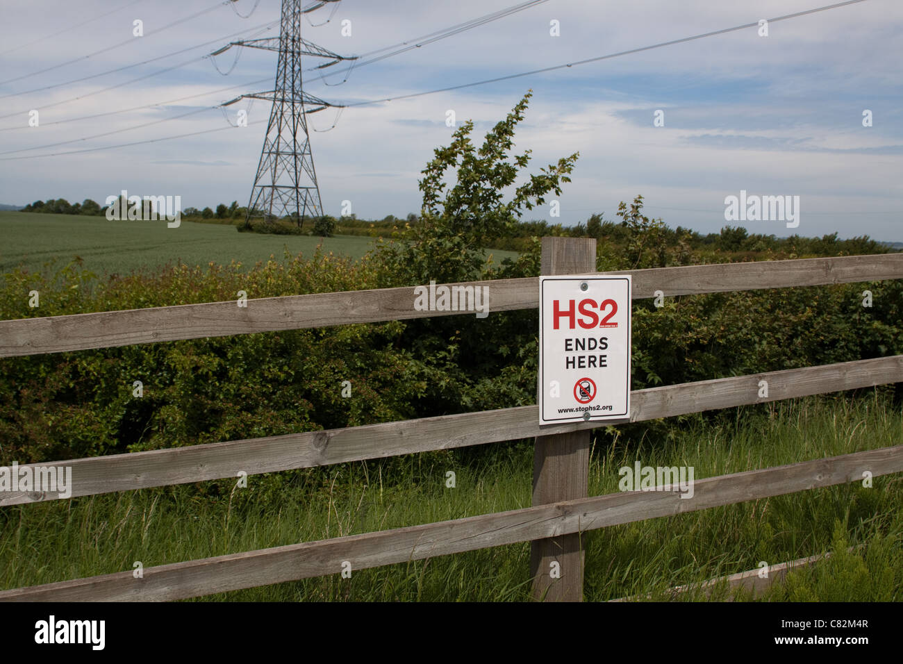 Sign indicating the future location of the Hight Speed 2 (HS2) railway line through Wendover in the Chilterns. - Stock Image