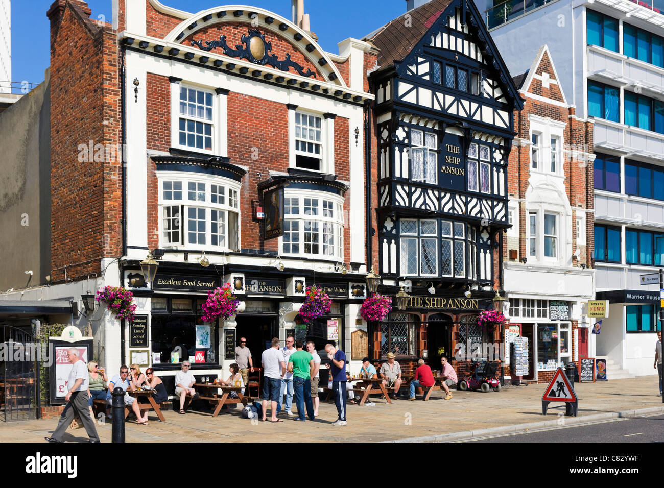 The Ship Anson pub on The Hard near the Historic Dockyard, Portsmouth, Hampshire, England, UK - Stock Image