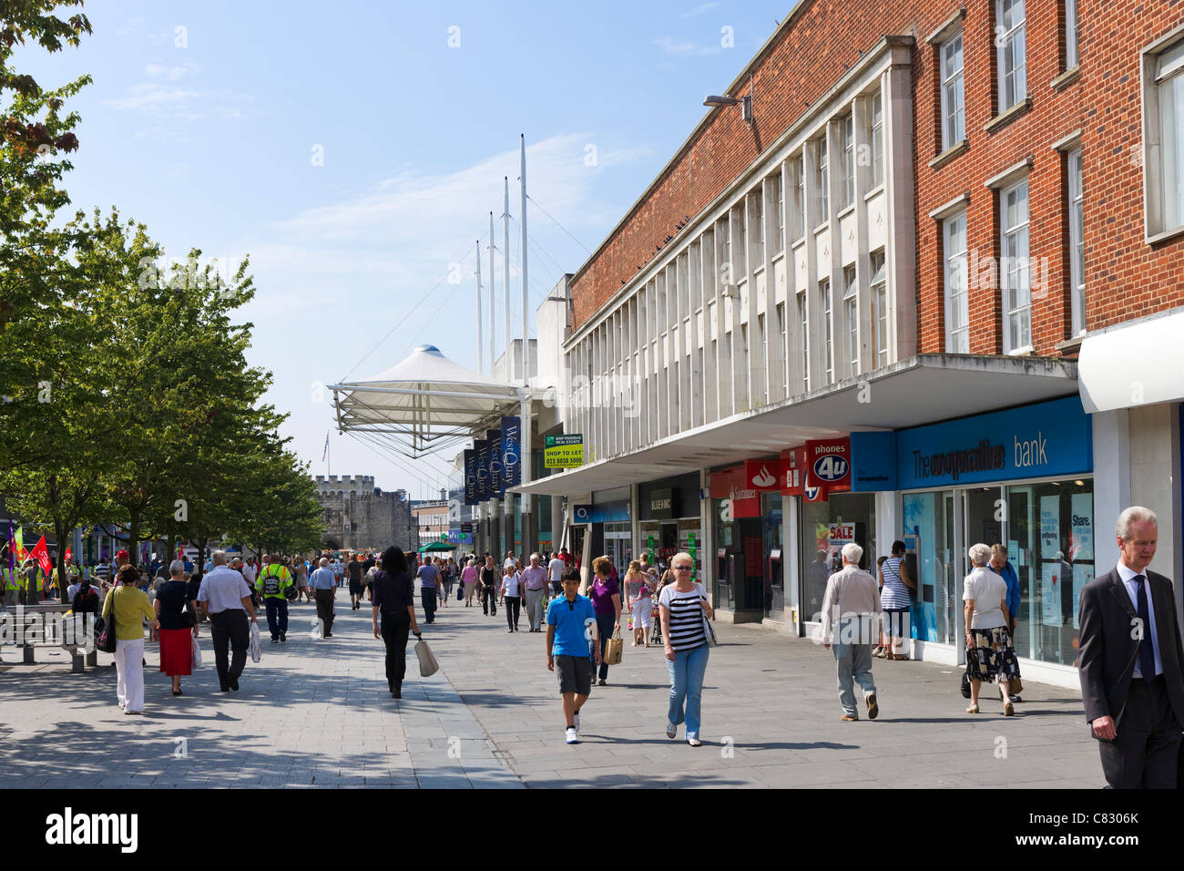 Shops in the main shopping area, Above Bar Street on the QEII Mile, Southampton, Hampshire, England, UK Stock Photo