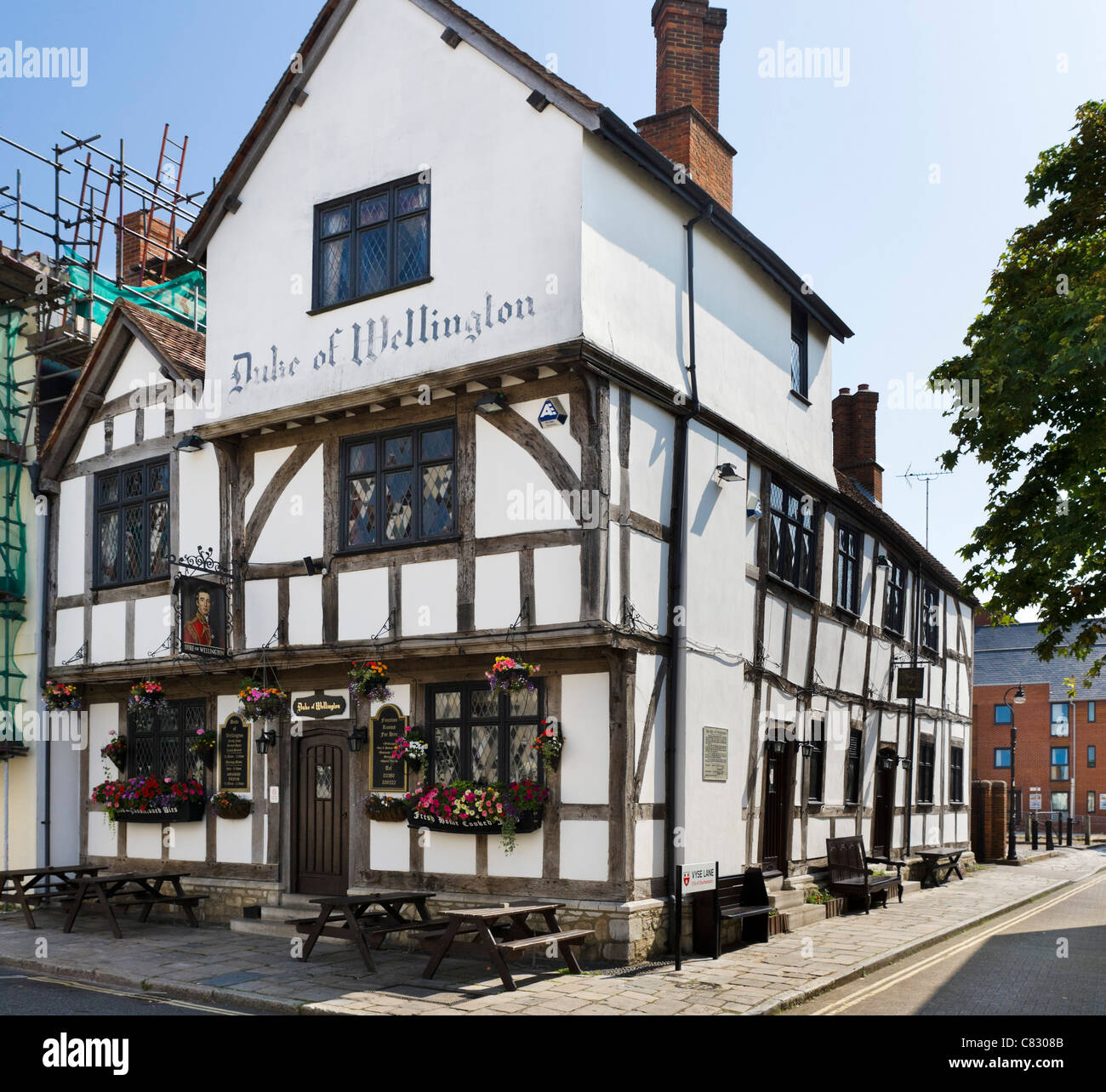 The historic Duke of Wellington pub on Bugle Street in the old town, Southampton, Hampshire, England, UK - Stock Image