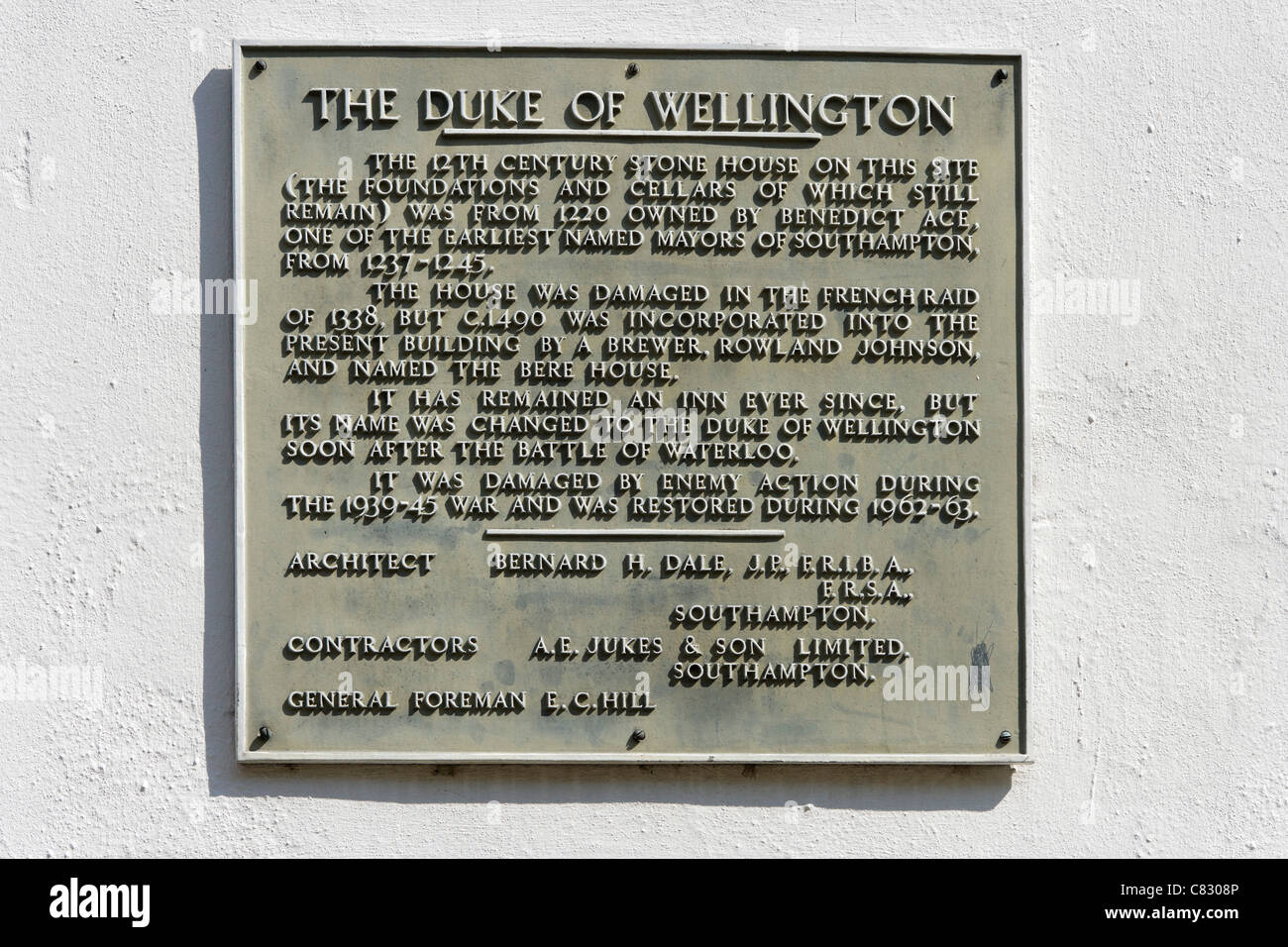 Wall plaque for the historic Duke of Wellington pub on Bugle Street in the old town, Southampton, Hampshire, England, - Stock Image