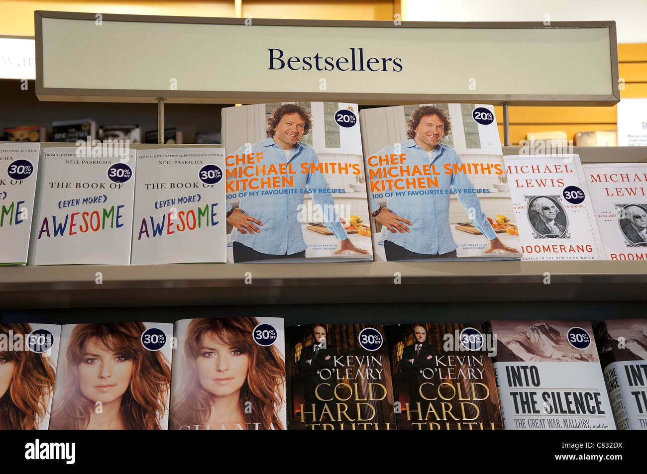 Bestsellers, Best Selling Books by Michael Smith, Neil Pasricha, Kevin O'Leary - Stock Image